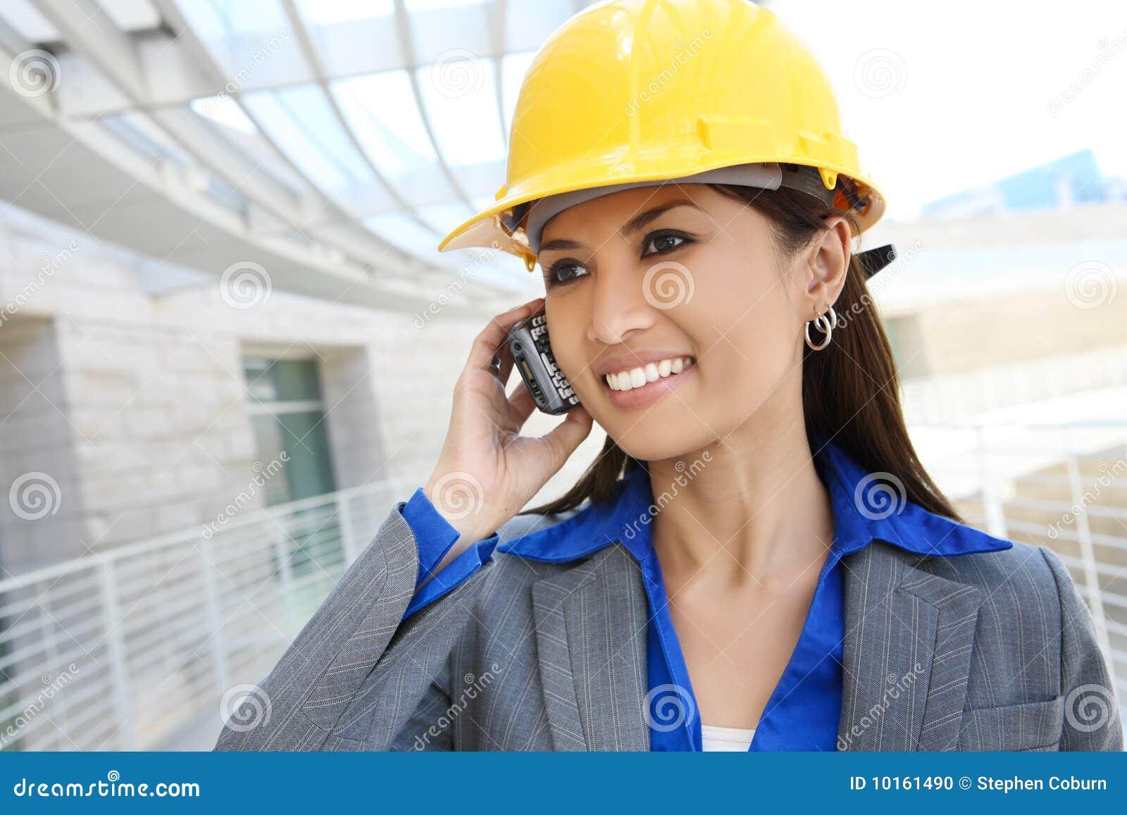 建筑师亚洲人妇女