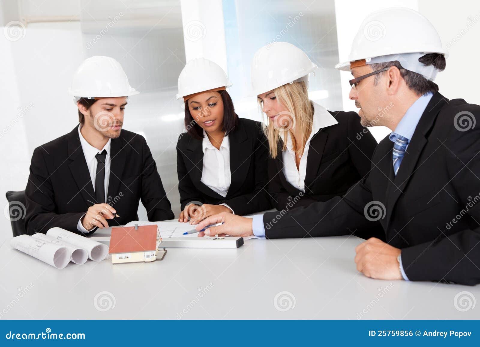 建筑师小组会议