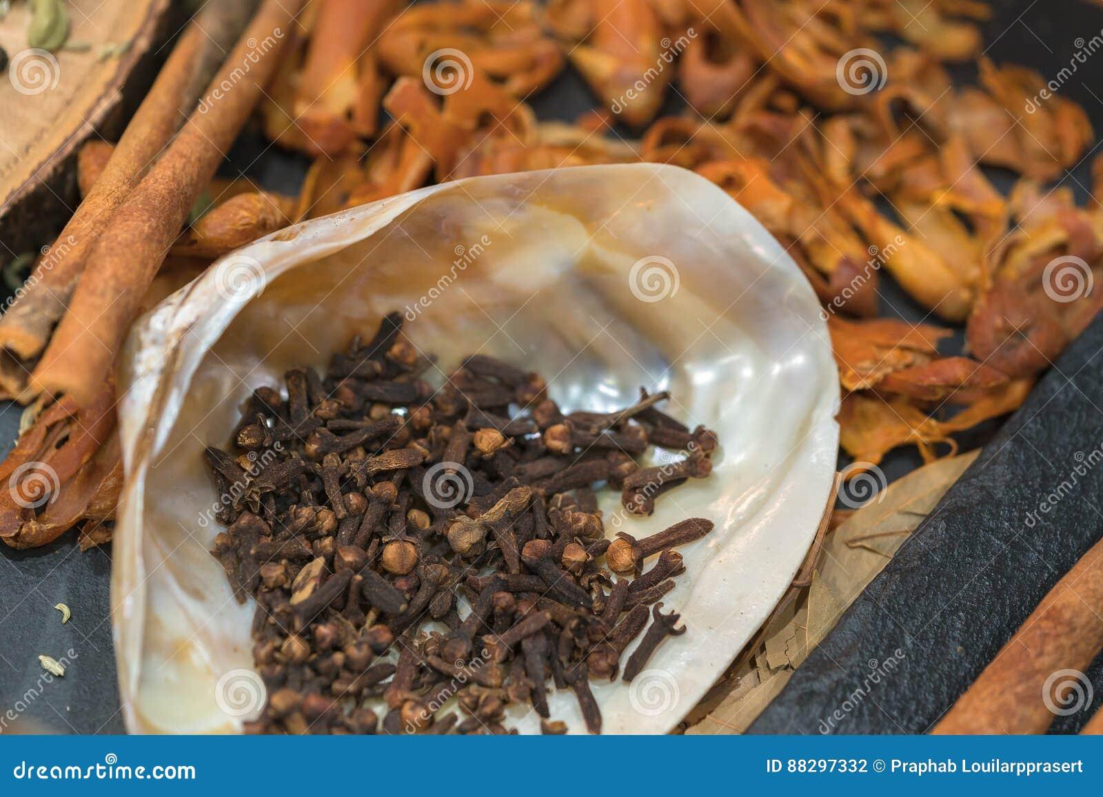 异乎寻常香料混合-香料,草本,粉末 印地安人加香料colle