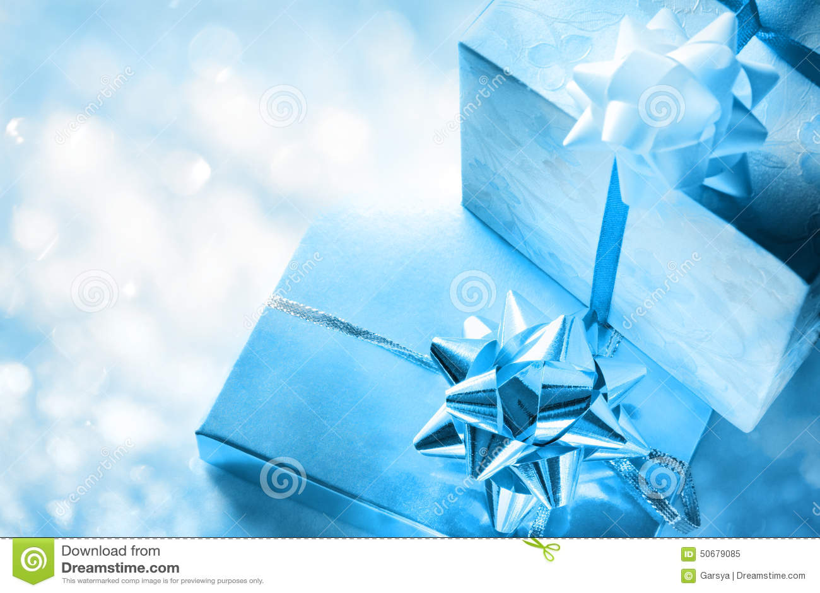Download 弓把礼品装箱 库存图片. 图片 包括有 丝带, 颜色, 惊奇, 程序包, 唯一, 设计, 存在, 附注, 生日 - 50679085
