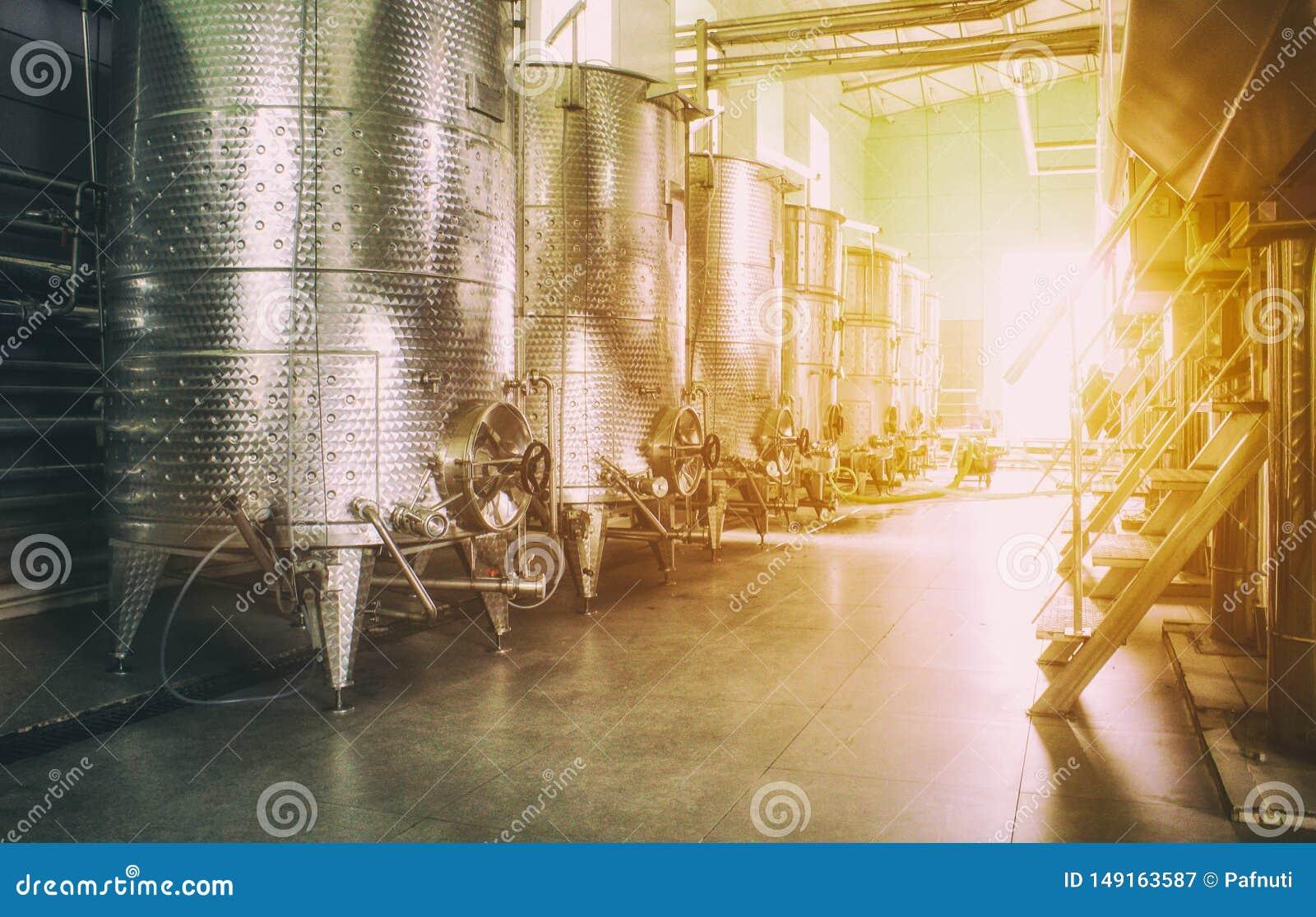 当代酿酒商工厂的设备