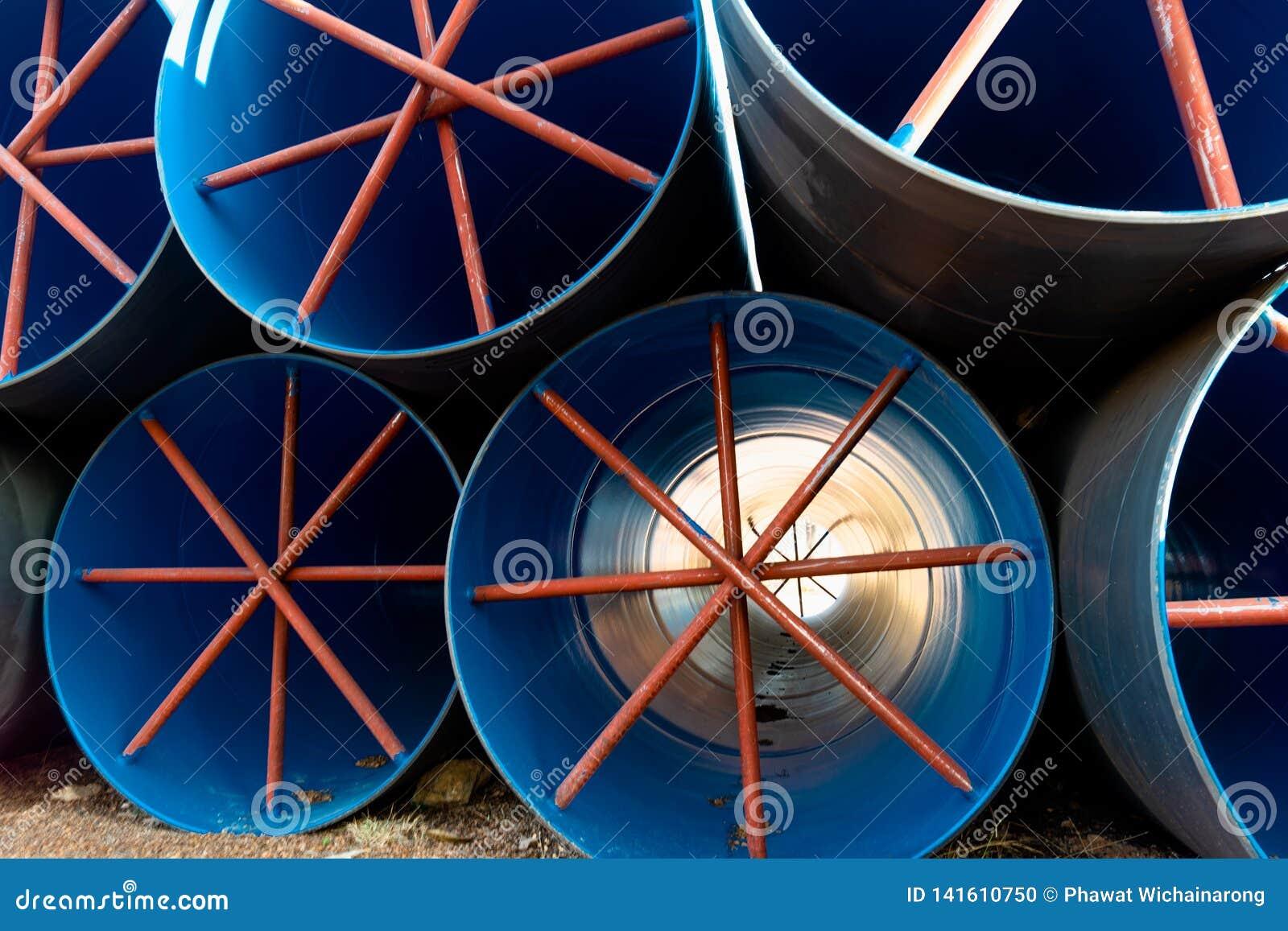 当过水隧道使用的堆大大海管子在灌溉项目 1