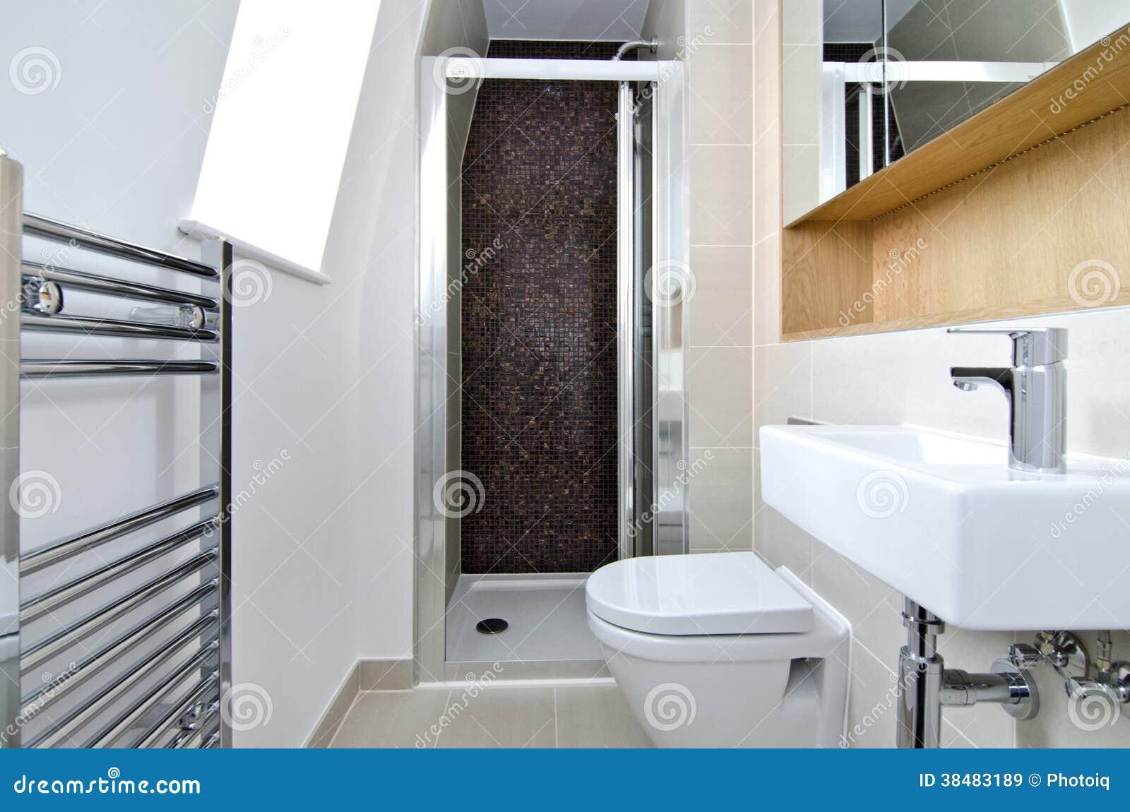 当代3个片断en随员卫生间