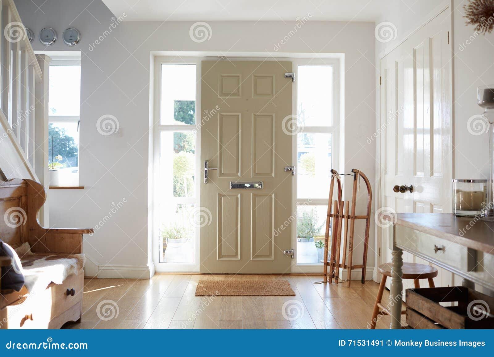 当代房子的前门