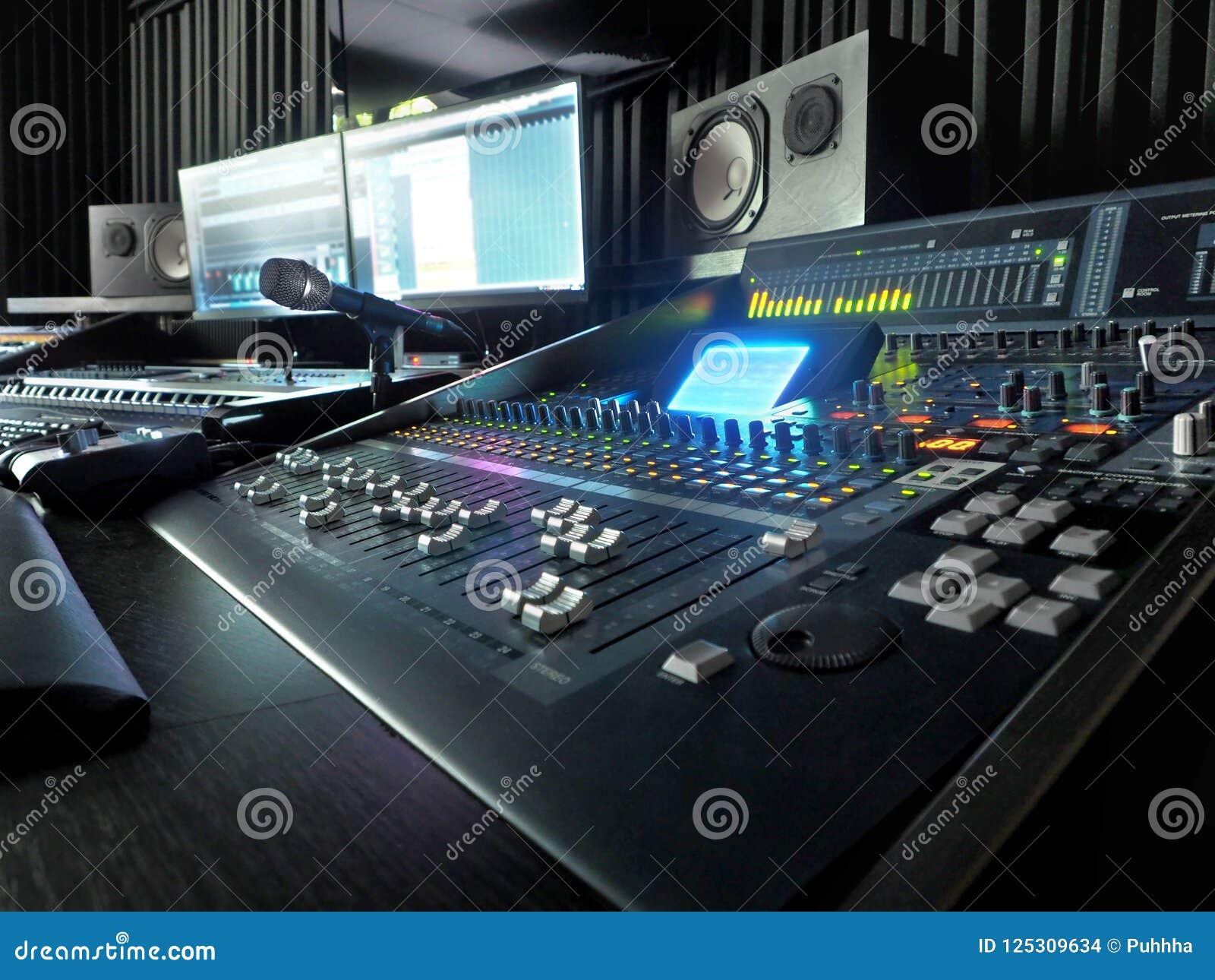 录音演播室用音乐录音设备