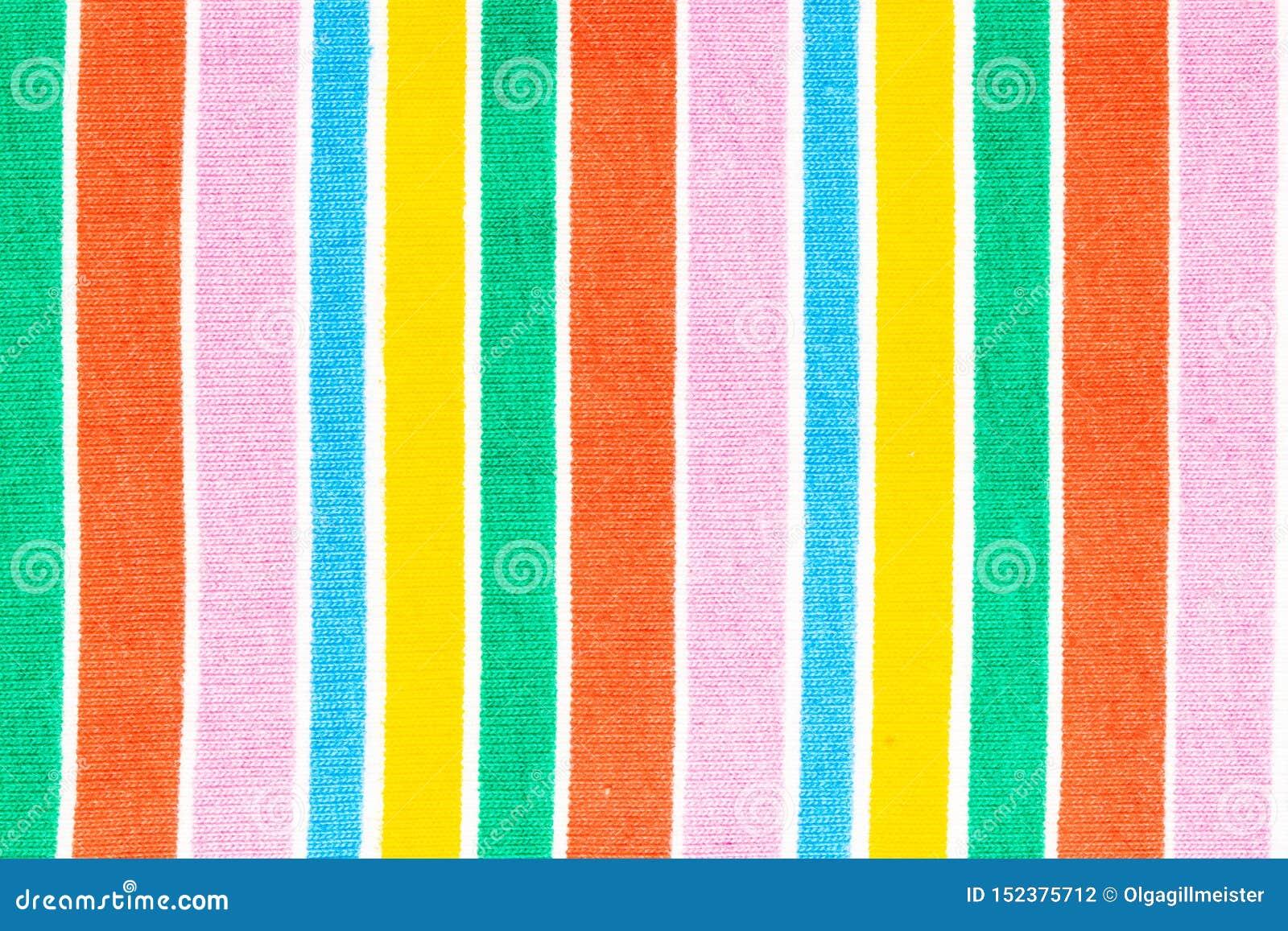 彩虹背景织品 彩虹纺织品特写镜头与新鲜的五颜六色的织地不很细平行的垂直条纹的 抽象夏天