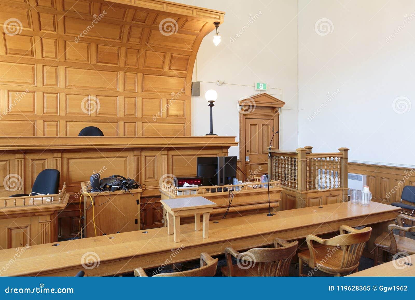 律师长凳在法庭
