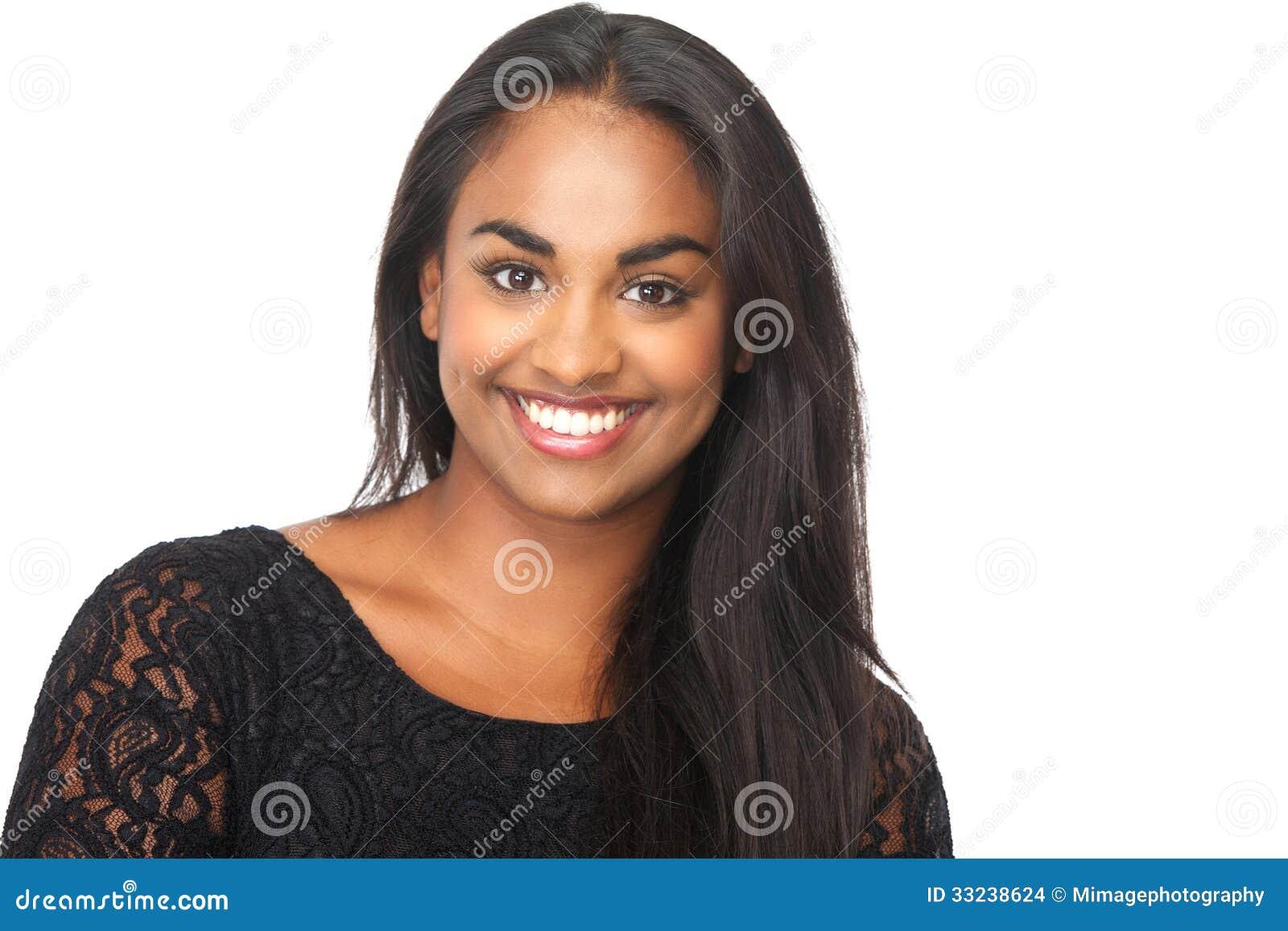 微笑在被隔绝的白色背景的可爱的少妇