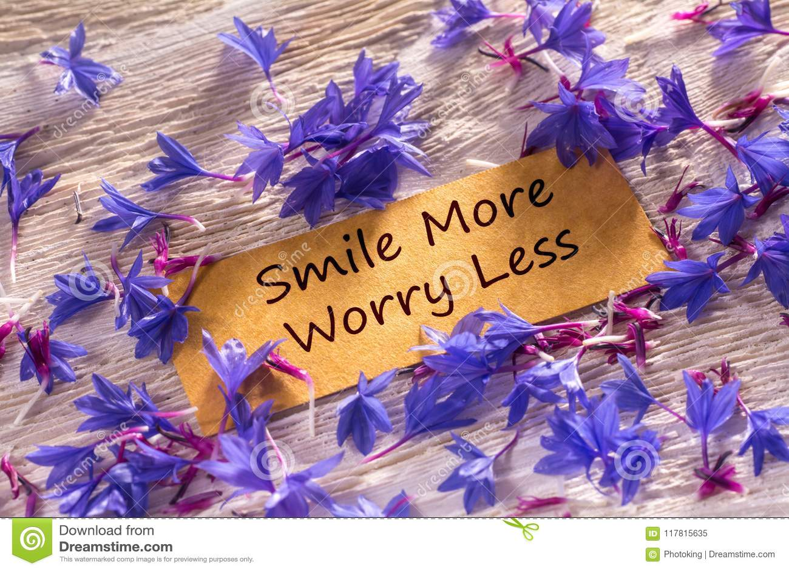微笑更多忧虑