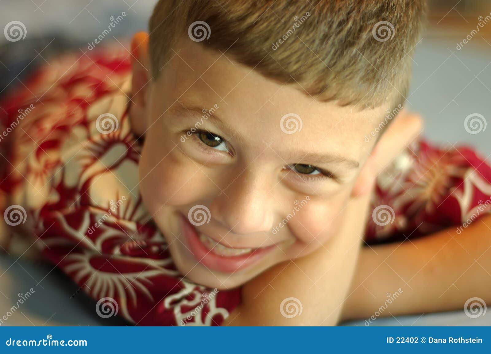 微笑的小孩