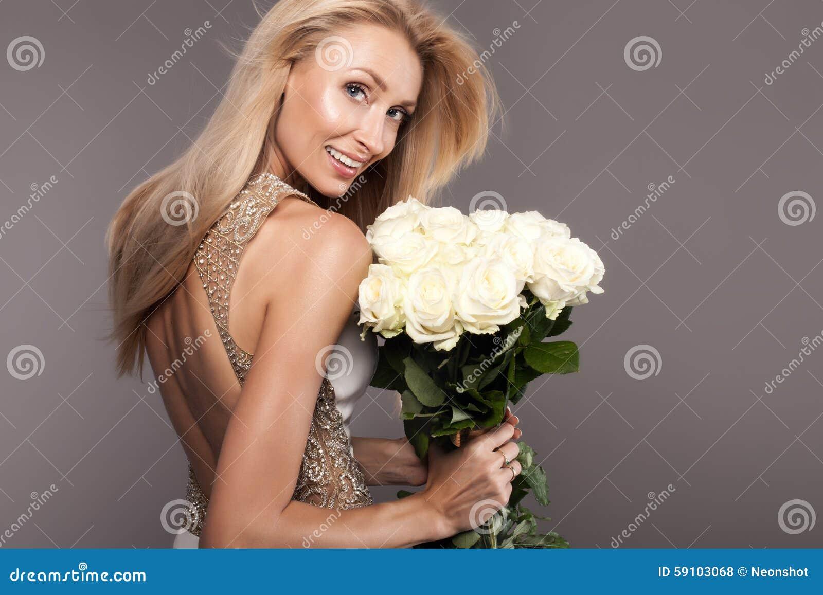 微笑的新娘夫人秀丽画象