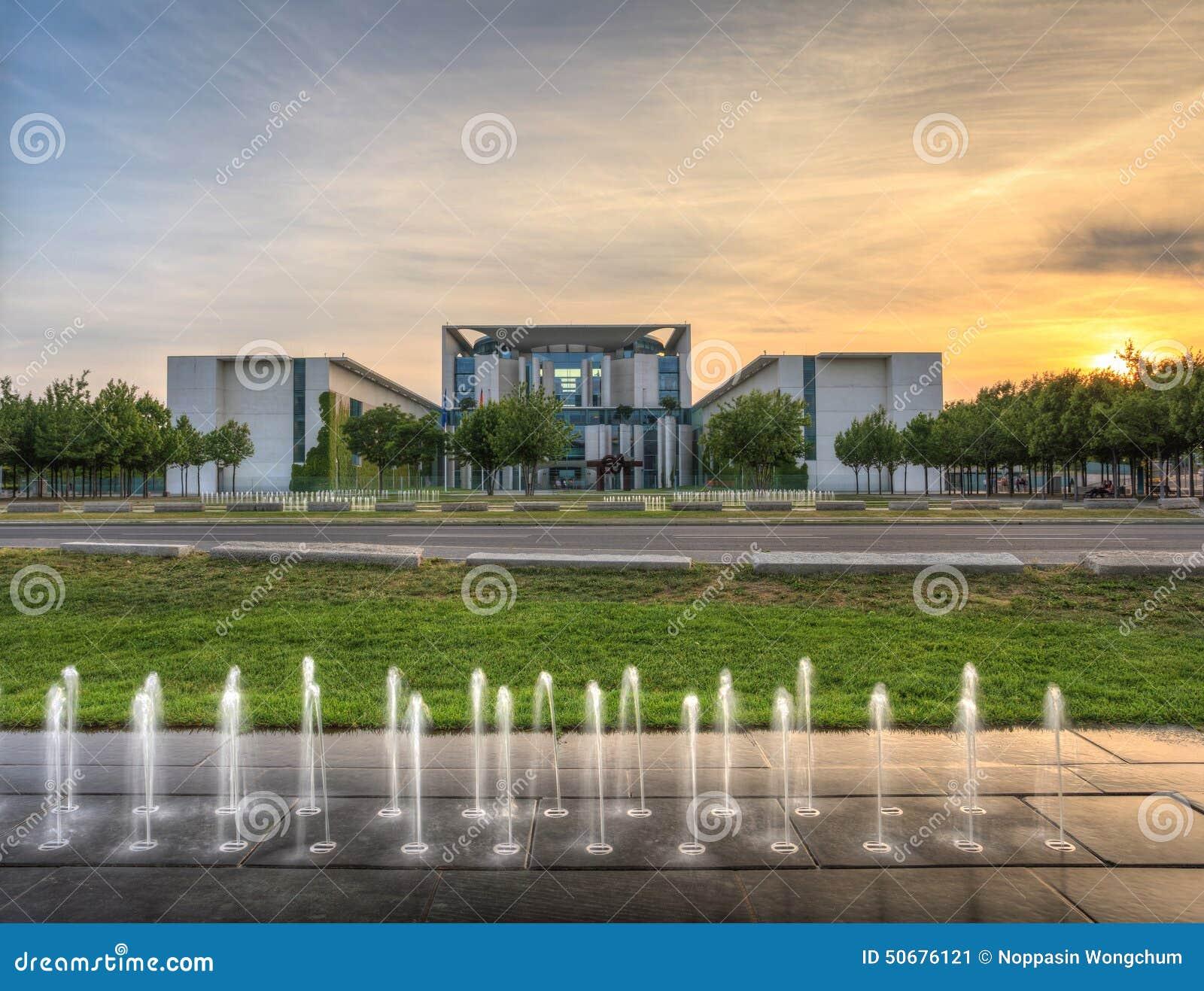 Download 德国大臣官邸在柏林德国 库存图片. 图片 包括有 欧洲, 地标, 大臣官邸, 旅行, berlitz, 德语 - 50676121