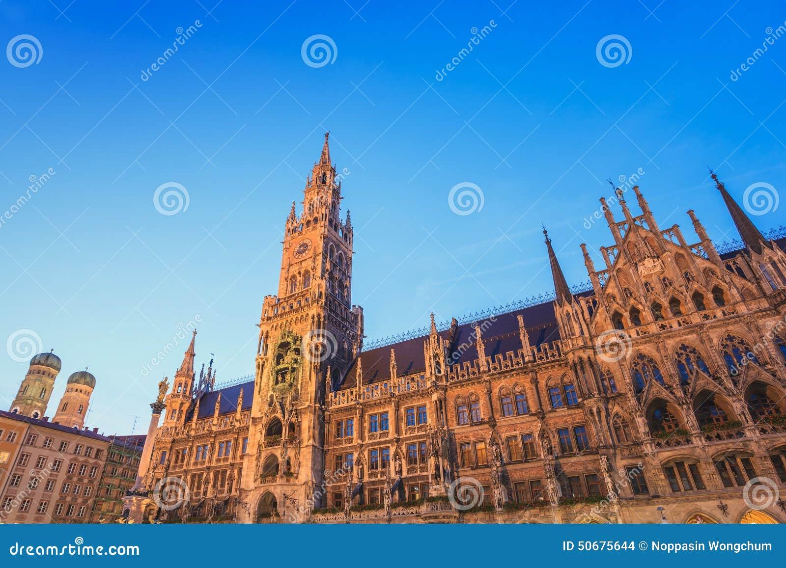 Download 德国慕尼黑 库存照片. 图片 包括有 雕象, 旅行, 德国, 巴伐利亚人, 晚上, 慕尼黑, 欧洲, 拱道 - 50675644