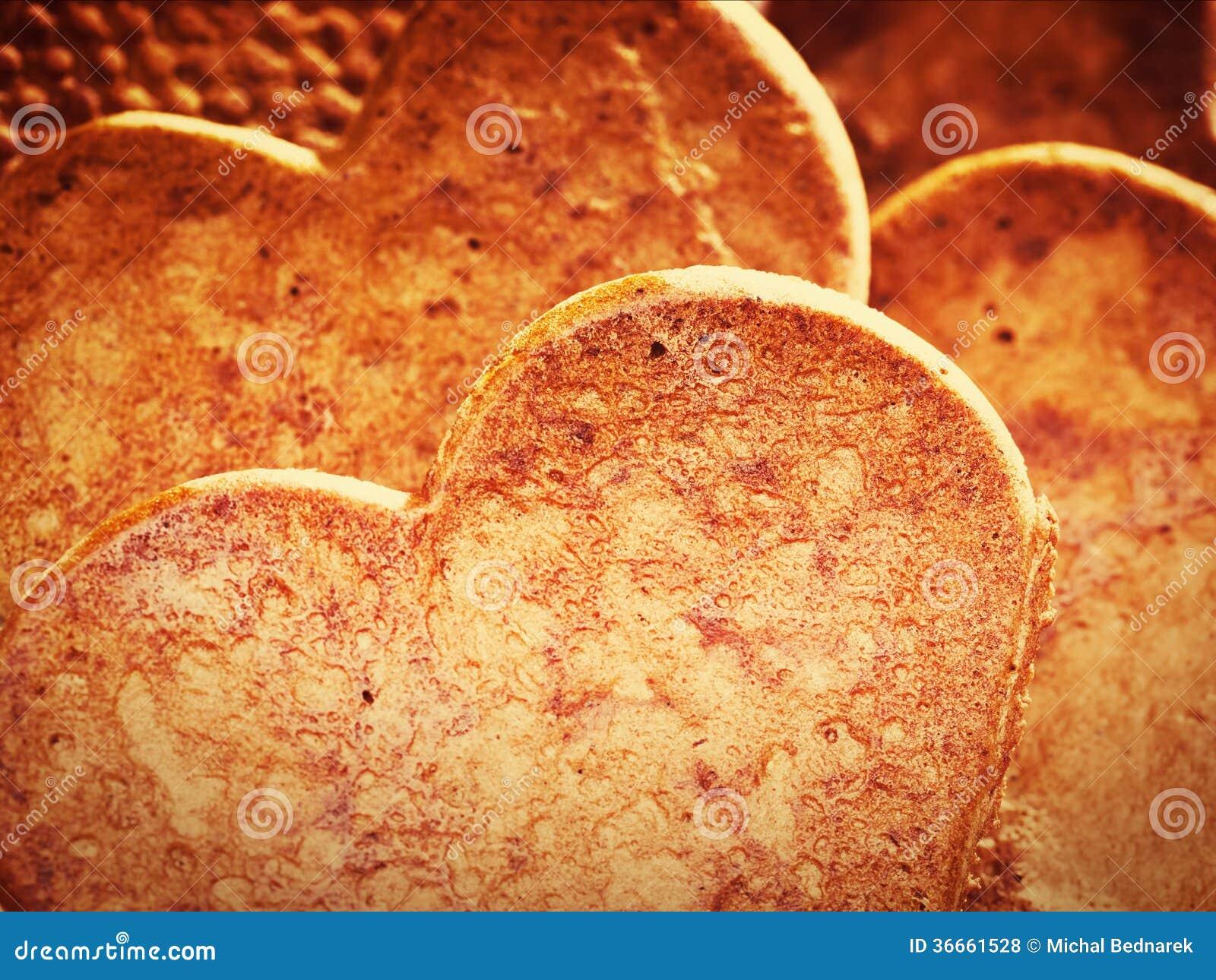 心形的姜饼曲奇饼