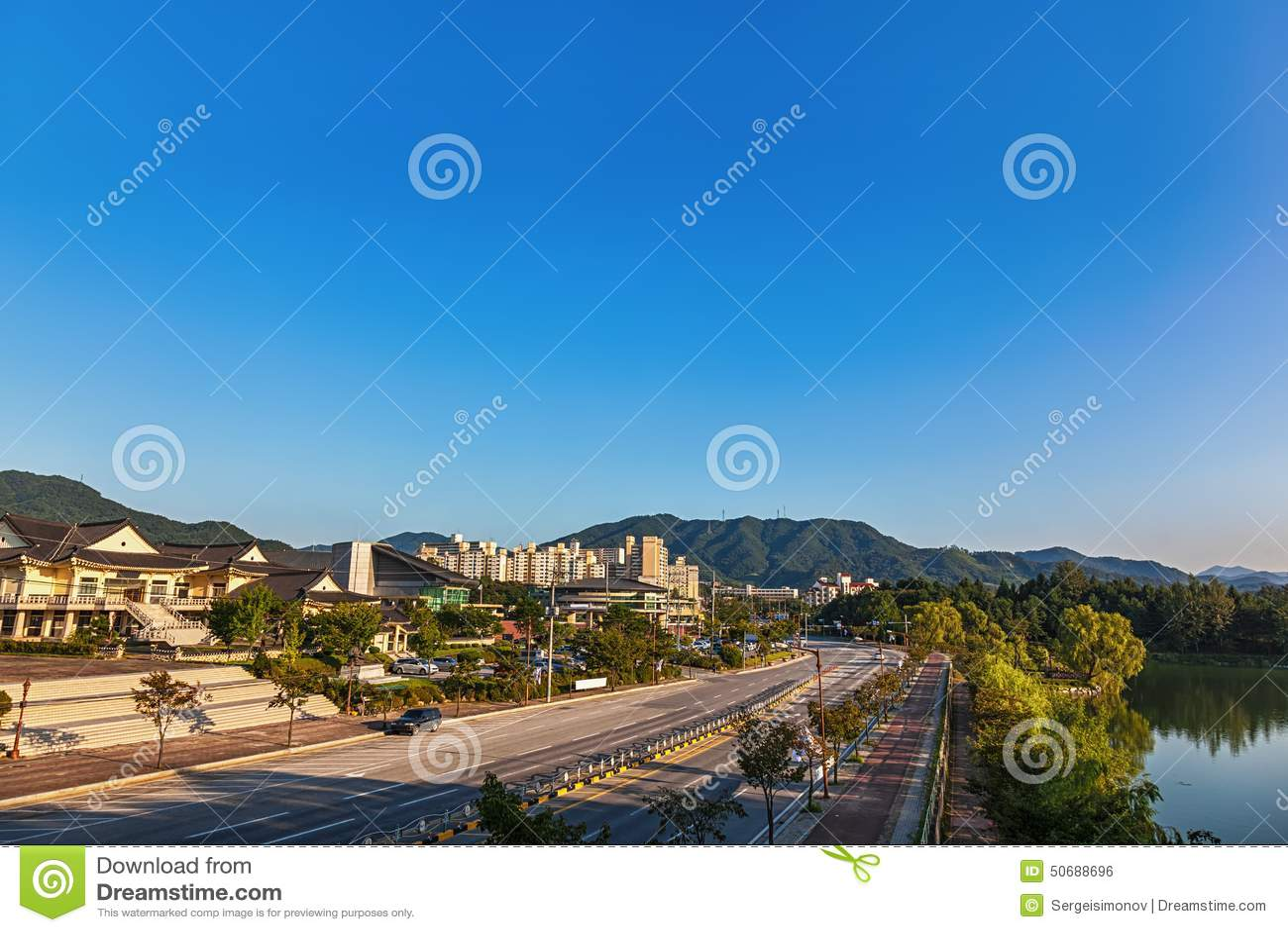 Download 忠州市市都市风景在韩国 库存照片. 图片 包括有 街市, 韩国, 聚会所, 传统, 旅行, 街道, 中央 - 50688696