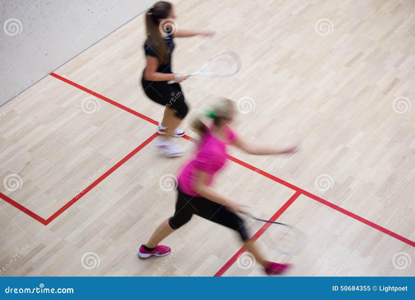 Download 快速的行动的两个女性南瓜球员对壁球球场 库存图片. 图片 包括有 执行, 爱好健美者, 成人, 室内, 表达式 - 50684355