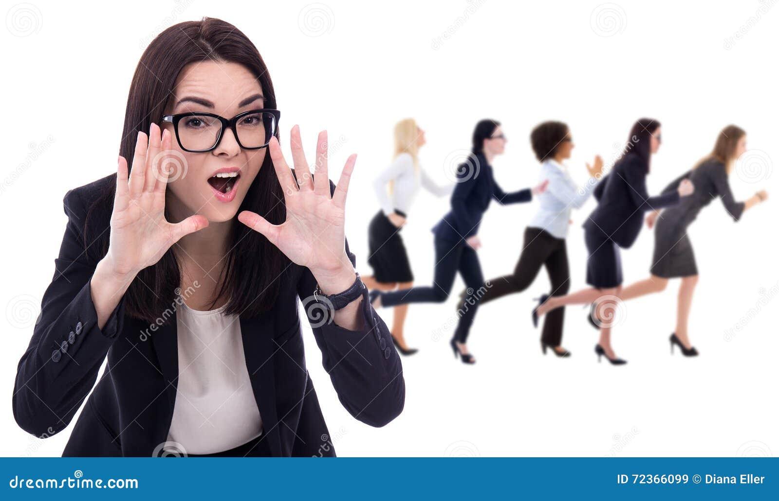 恼怒的在白色隔绝的上司呼喊的和跑的工作者