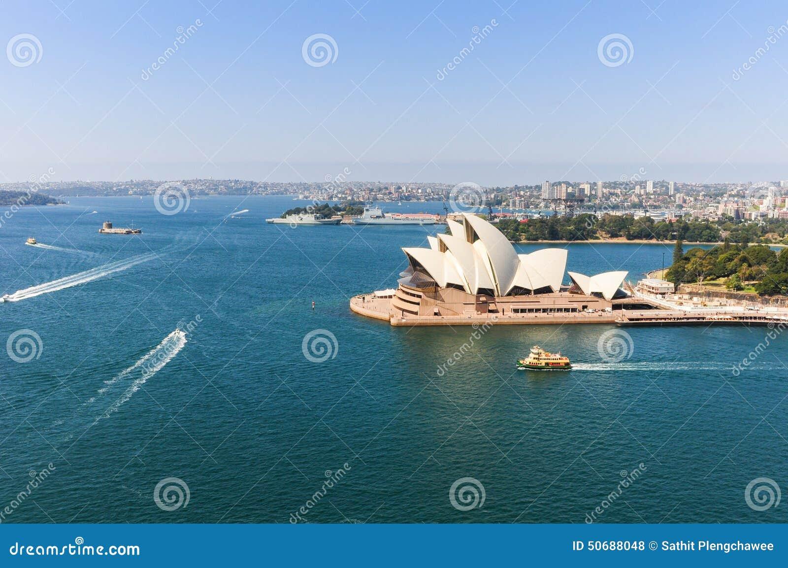 Download 悉尼opear房子 编辑类库存照片. 图片 包括有 地标, 著名, 蓝色, 拱道, 布琼布拉, 图标式, artsiest - 50688048