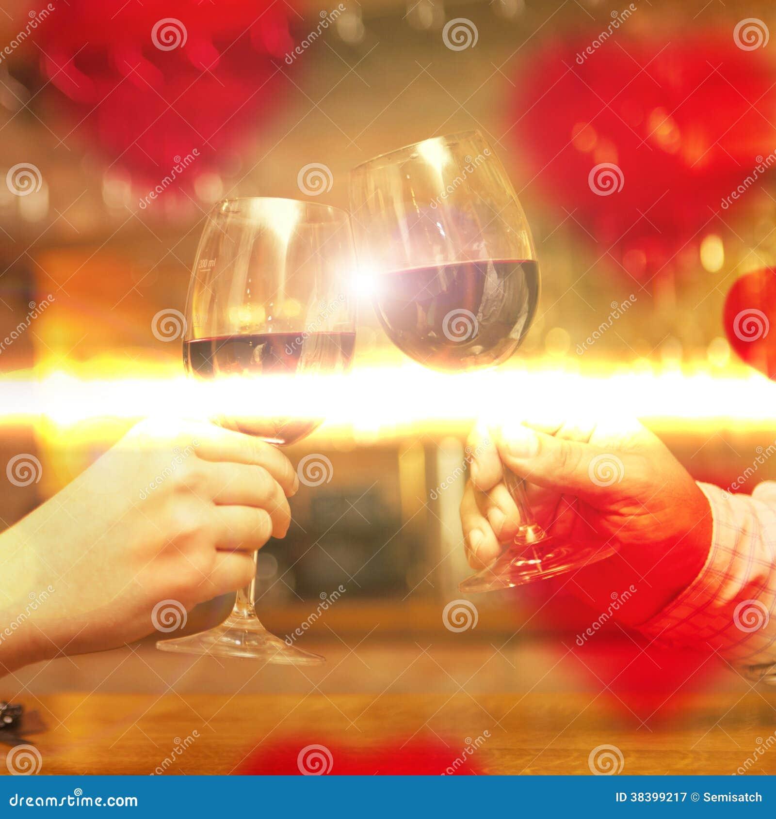 情人节概念用酒和玻璃