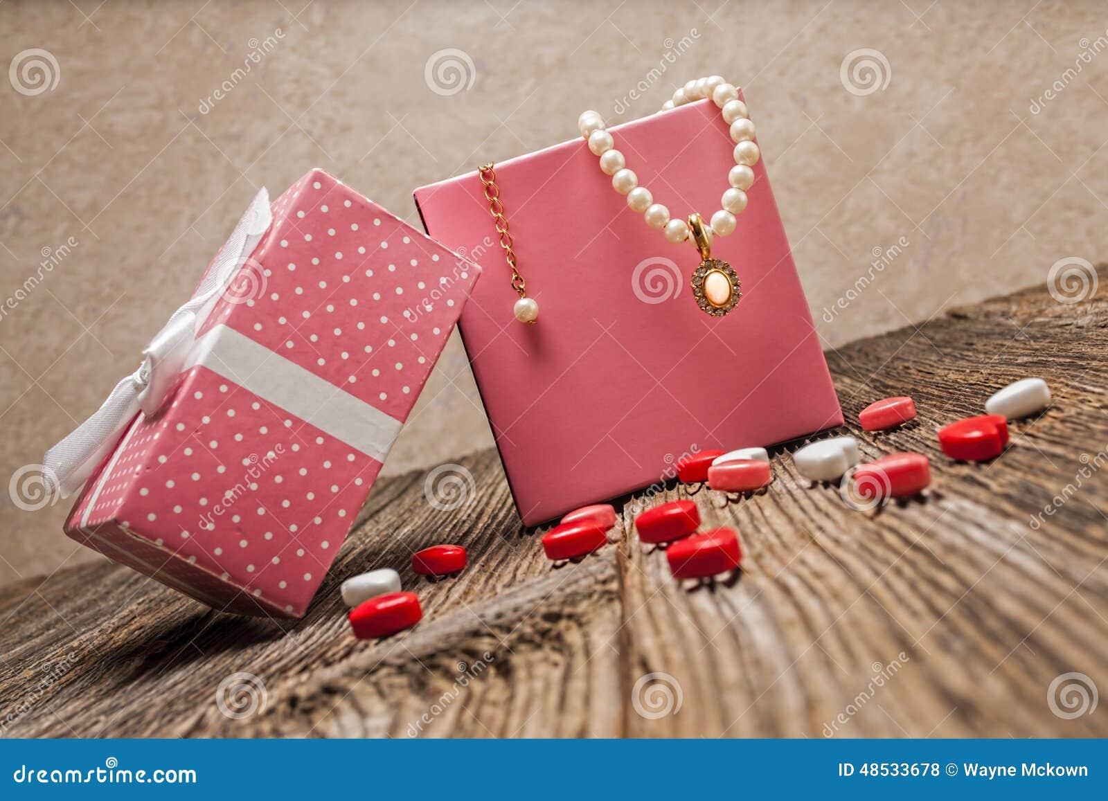 情人节珍珠,金刚石, necklase,礼物
