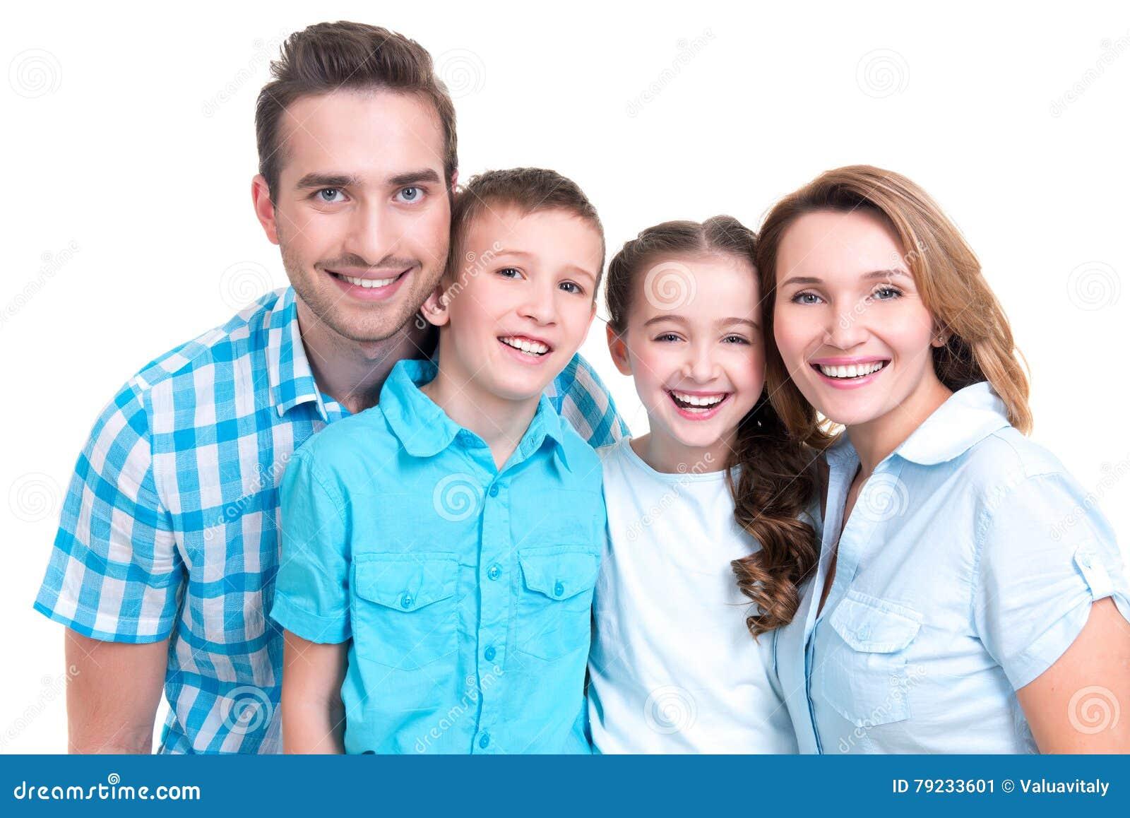 愉快的欧洲家庭的画象有孩子的