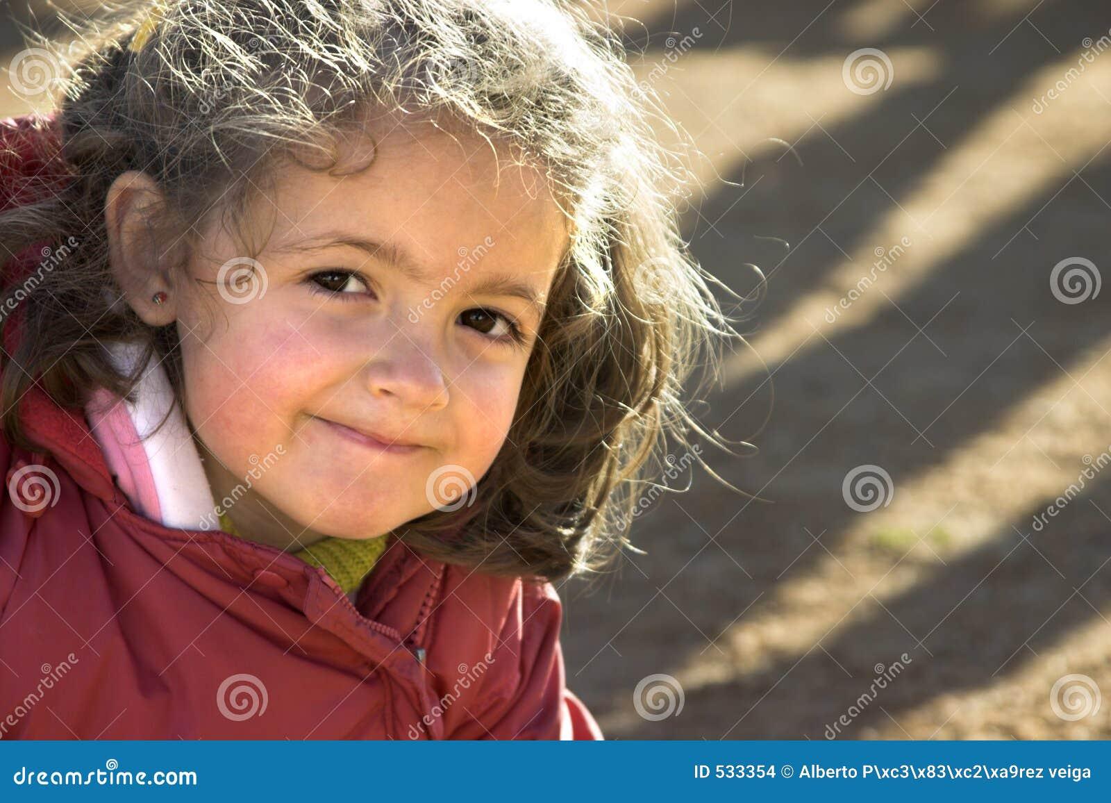 Download 愉快的童年 库存照片. 图片 包括有 女孩, 童年, 孩子, 愉快, 子项, 微笑, 女儿 - 533354