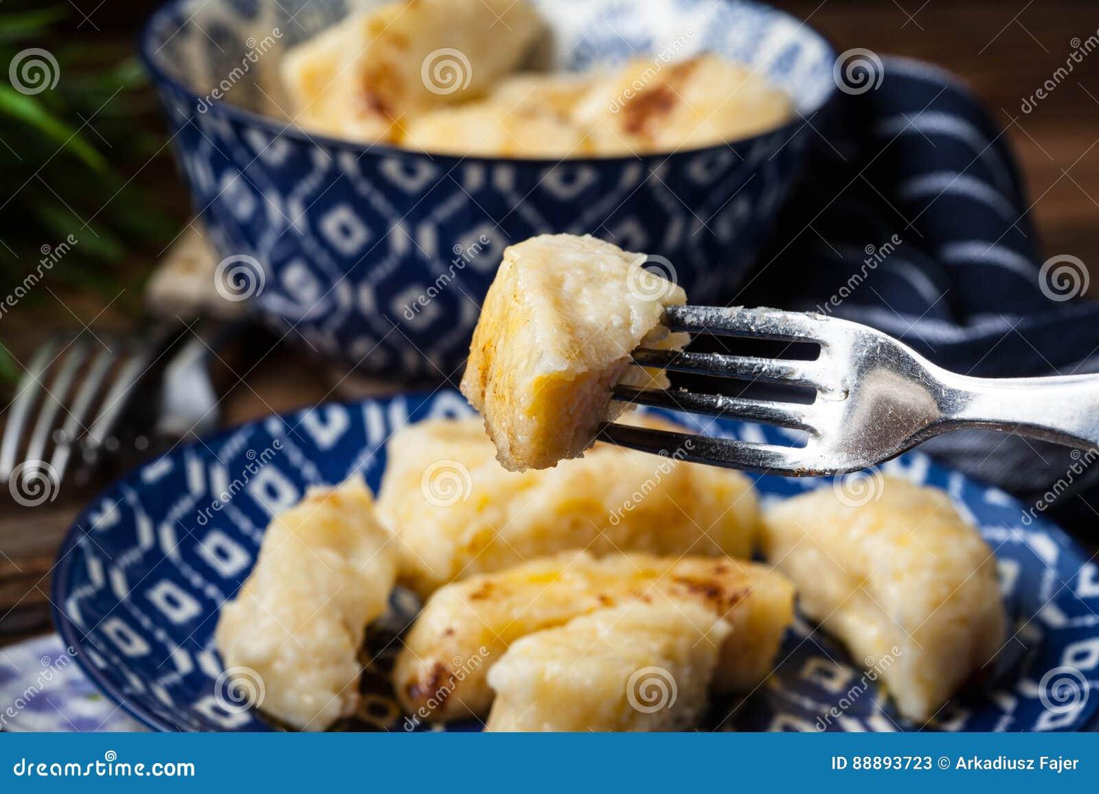 懒惰饺子用桂香和糖