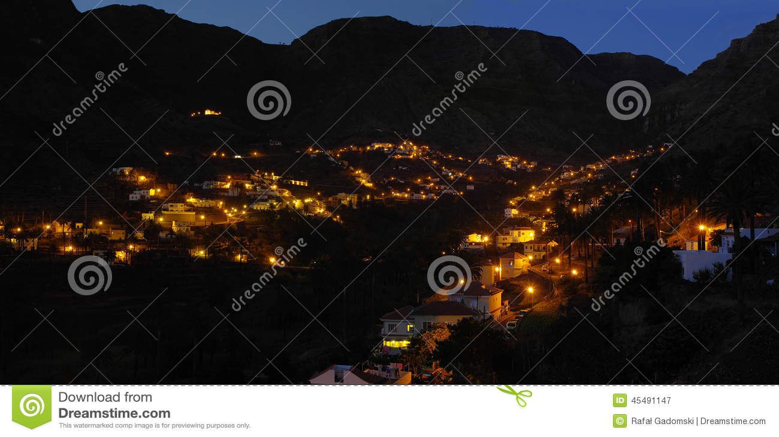 戈梅拉岛海岛 了不起的国王的瓦尔Gran Rey.The谷
