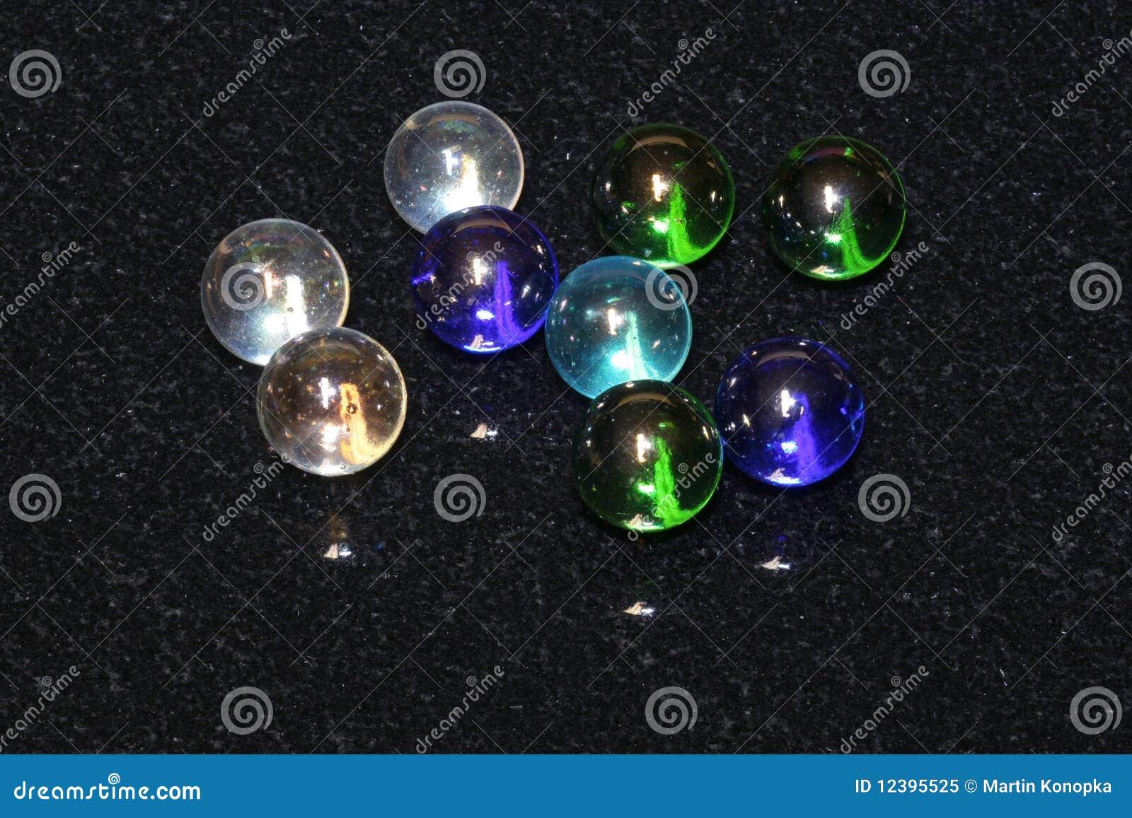 成串珠状玻璃