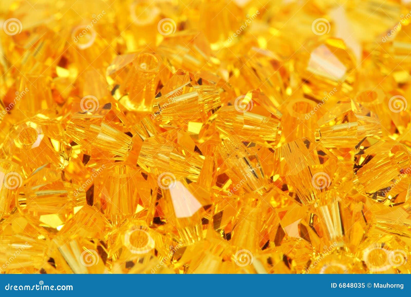 成串珠状金黄