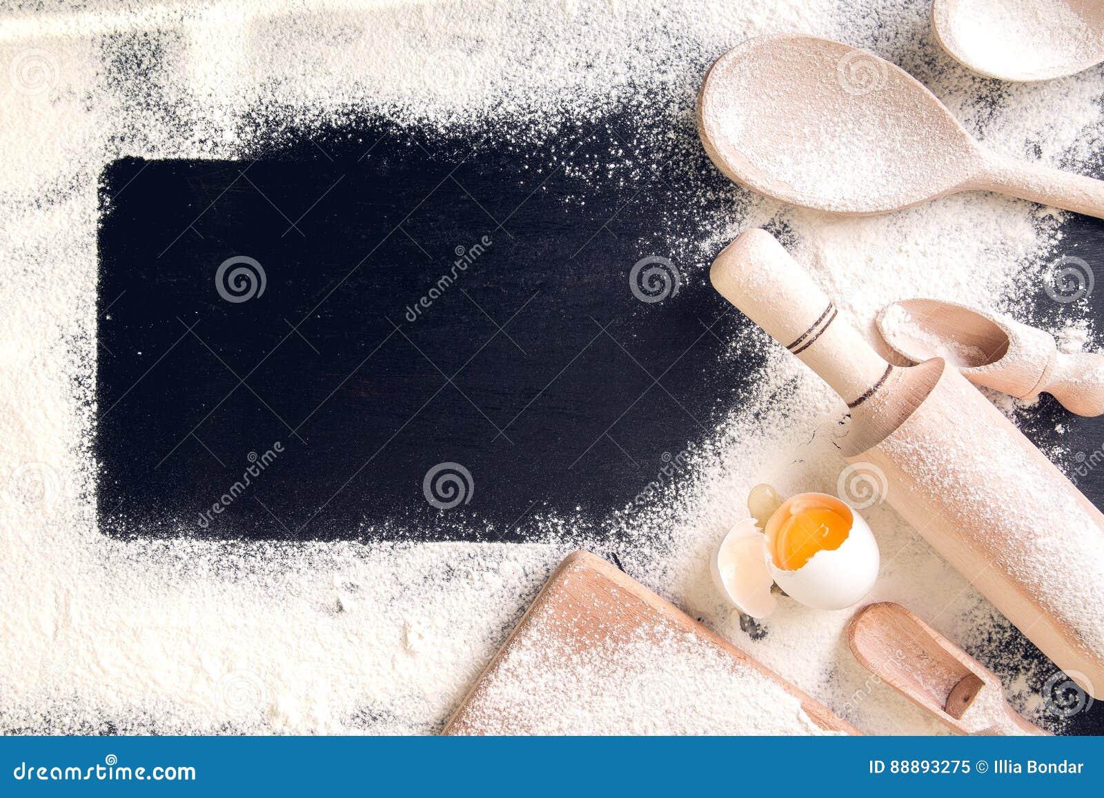 成份和工具为烘烤 关闭 鸡蛋,面粉和