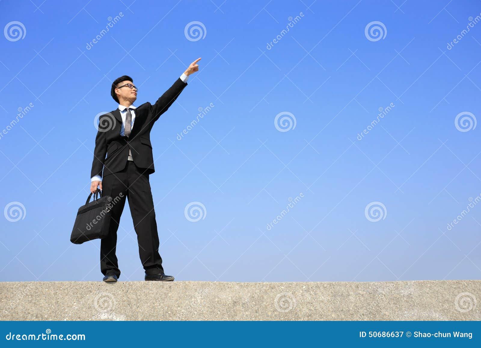 Download 成功的商人展示某事 库存图片. 图片 包括有 广告, 投资, 汉语, 事故, 目标, 企业家, 现有量, 犰狳 - 50686637