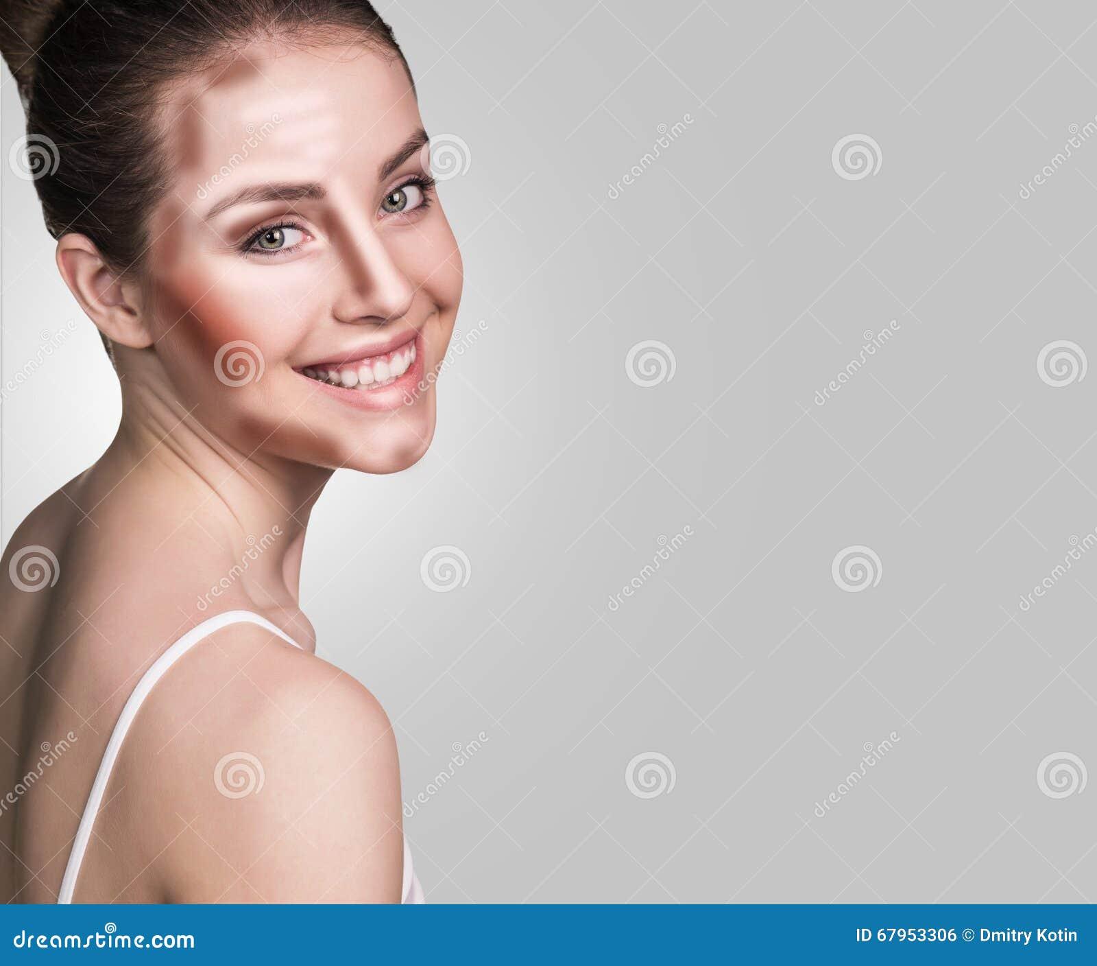 组成妇女面孔 等高和聚焦构成
