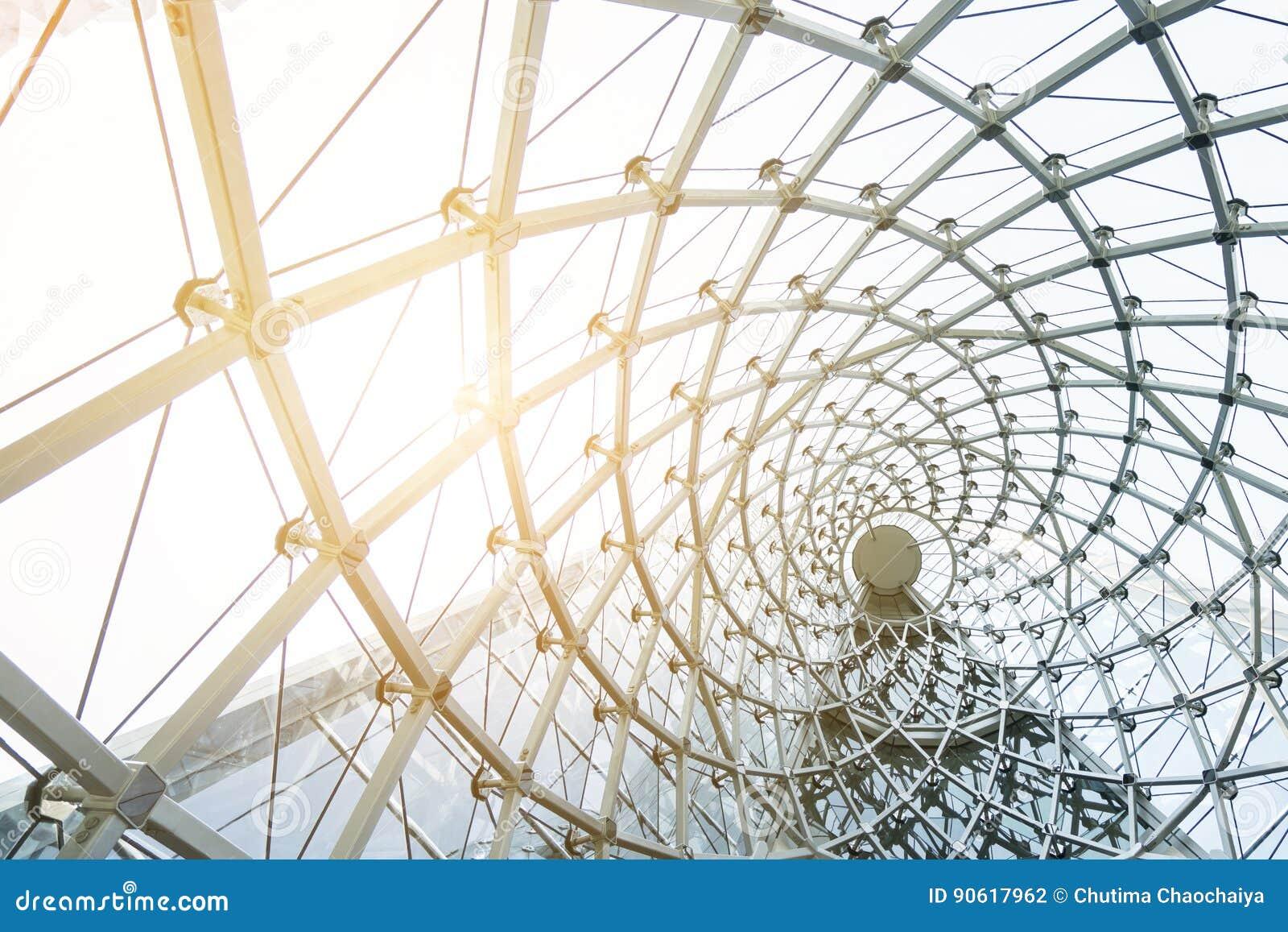 户外金属钢框架的楼房建筑