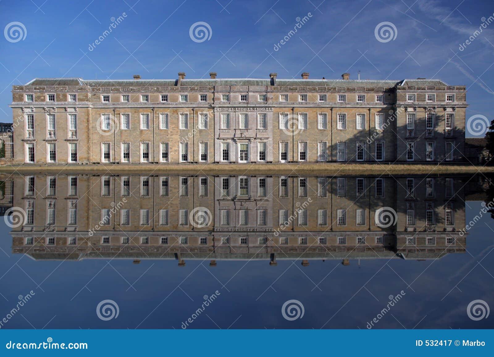 Download 房子petworth 库存图片. 图片 包括有 豪宅, 反映, 有历史, 英语, 历史记录, 房子, 布琼布拉 - 532417