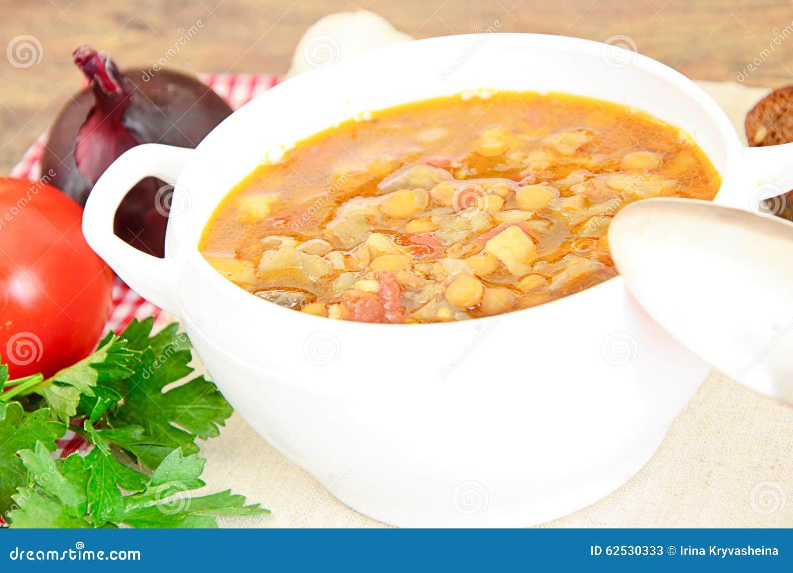 扁豆汤用茄子、蕃茄和葱