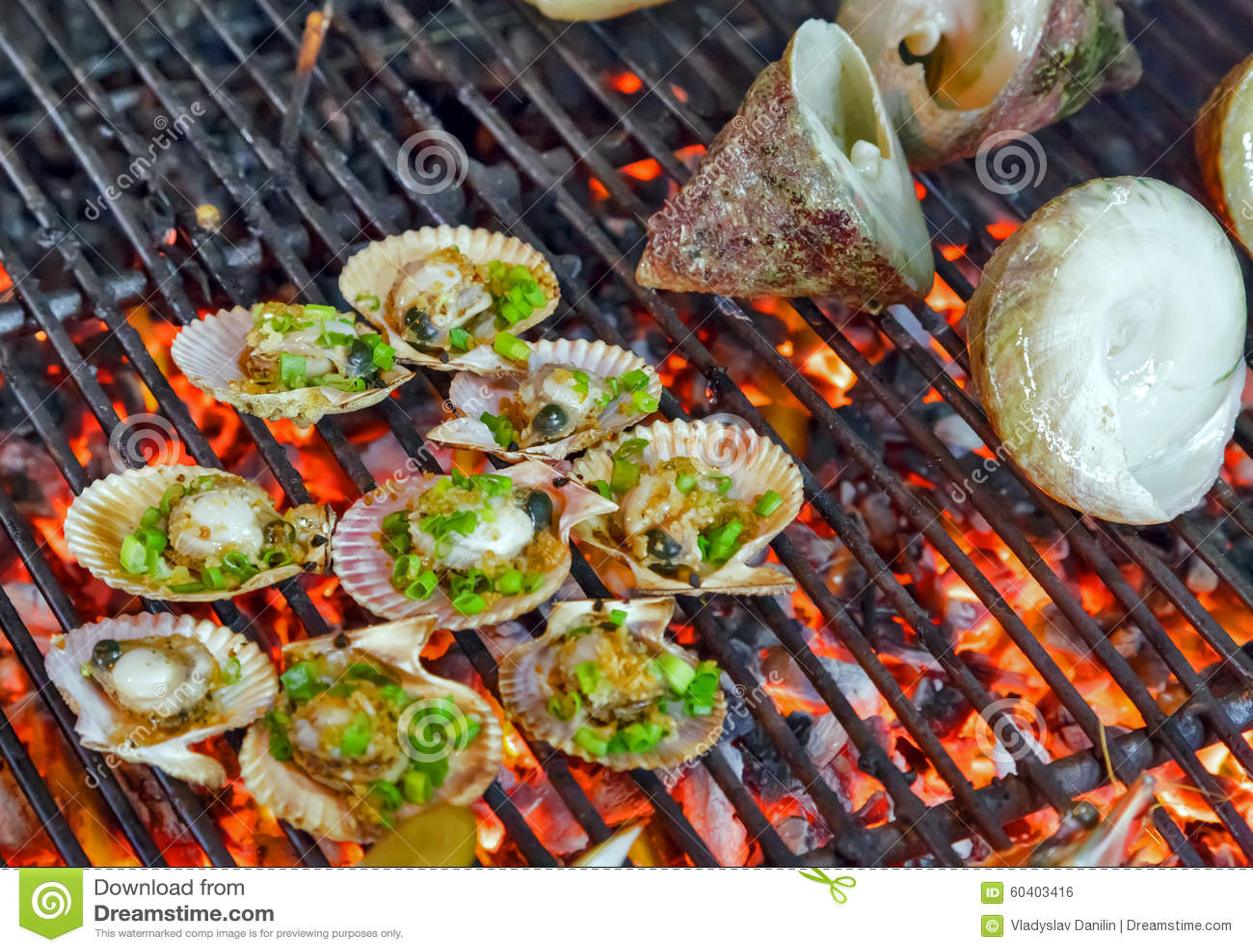 扇贝贝壳烤海鲜图片