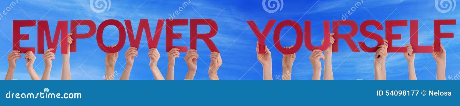 手举行红色平直授权自己蓝天