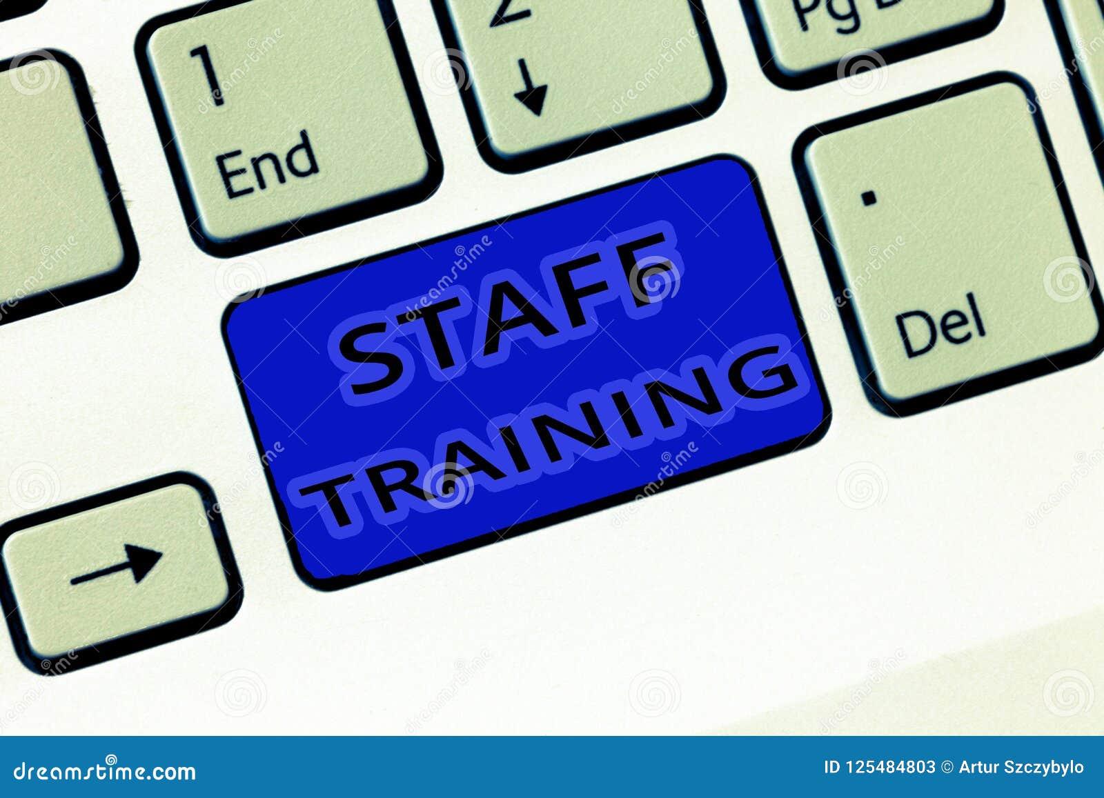 手写文本人员培训 意味帮助雇员学会具体知识的A节目的概念