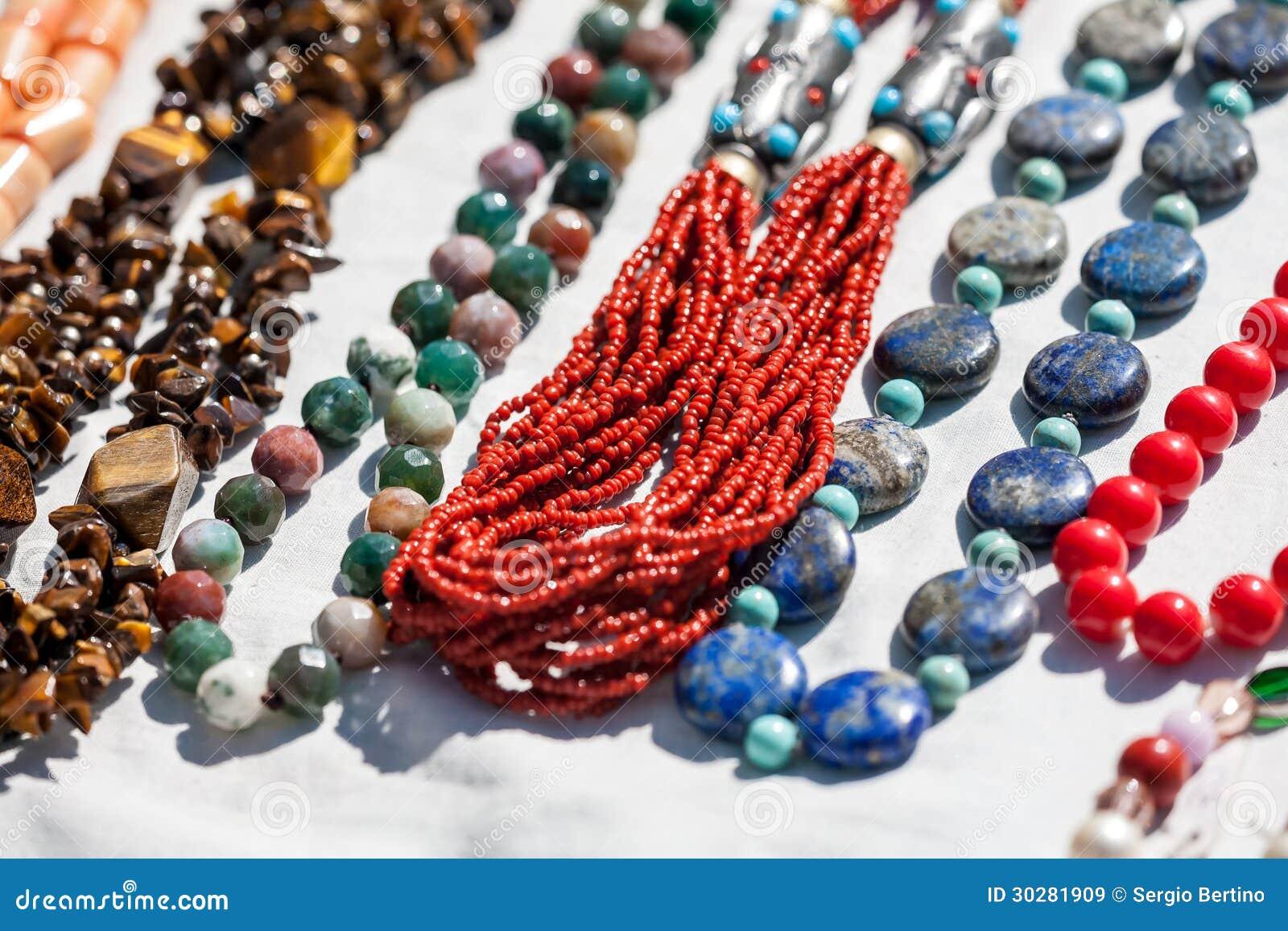 手工制造珊瑚项链