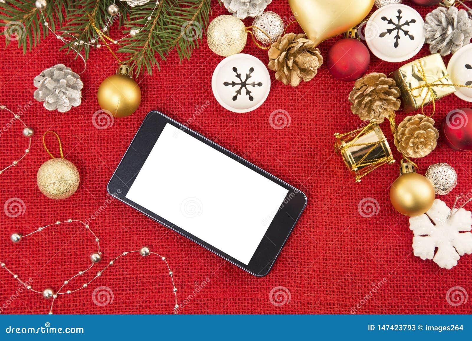 手机和圣诞装饰