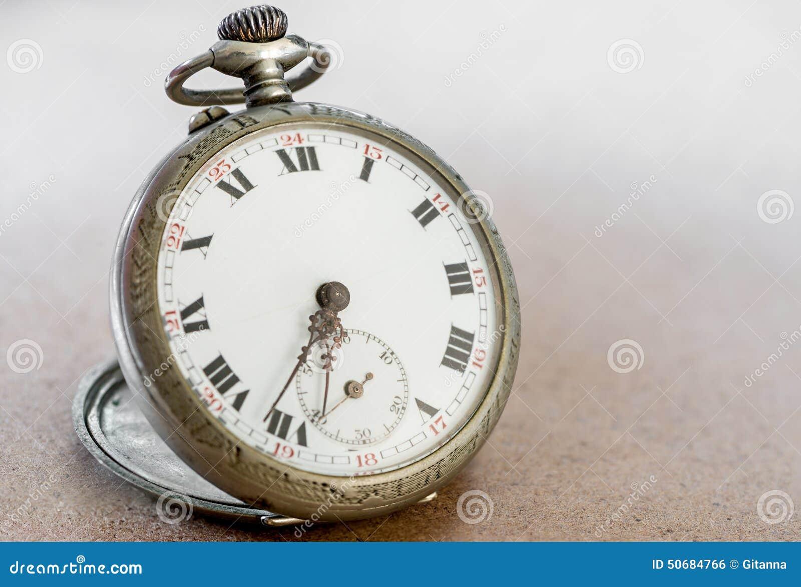 Download 手表修理 库存照片. 图片 包括有 现有量, 详细资料, 控告者, 反气旋, 螺丝, 零件, 机械, 螺丝刀 - 50684766
