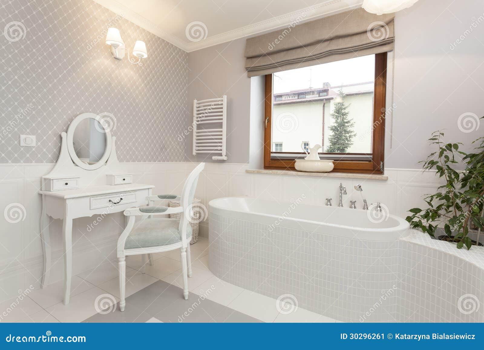 托斯卡纳-有梳妆台的卫生间