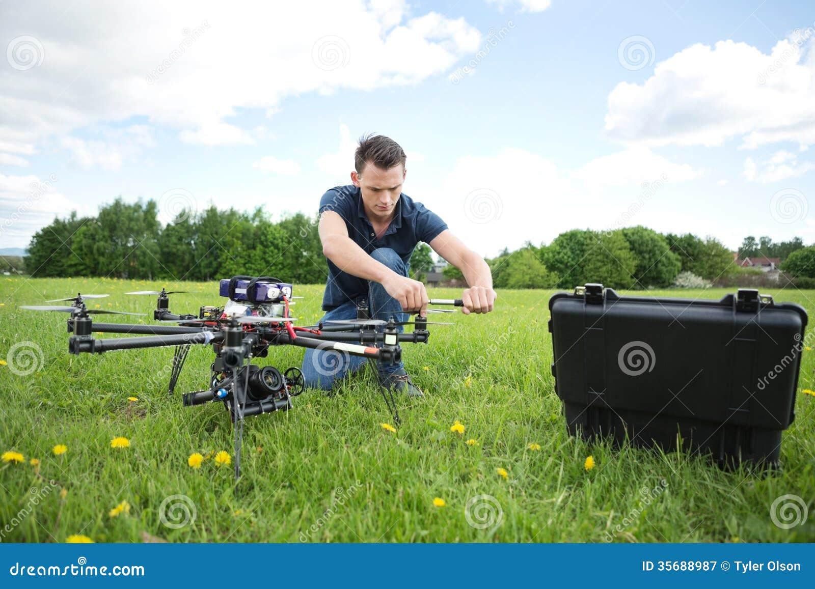 技术员UAV直升机定象推进器