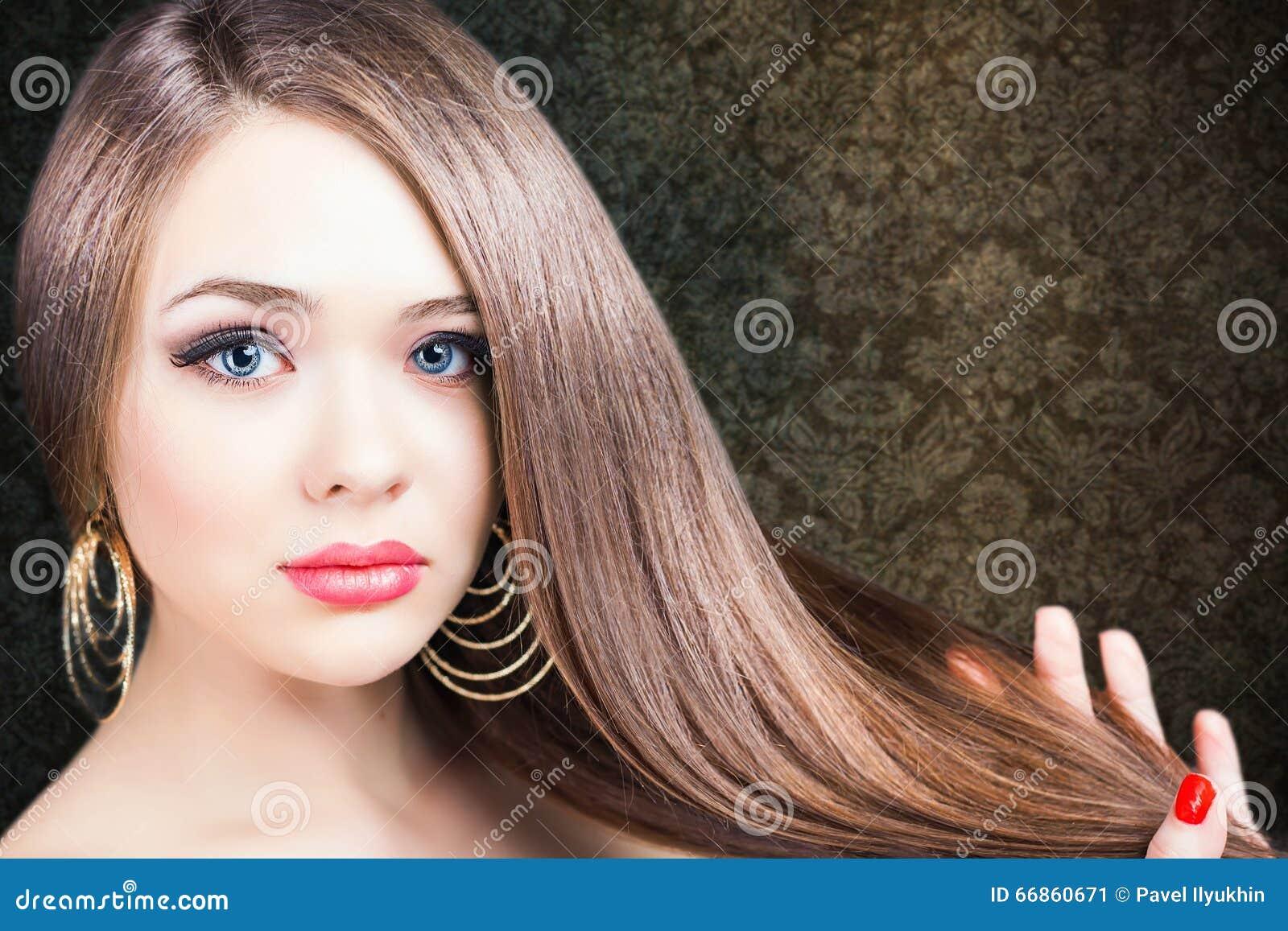 抽象横幅方式发型例证 美丽的头发长的平直的妇女图片