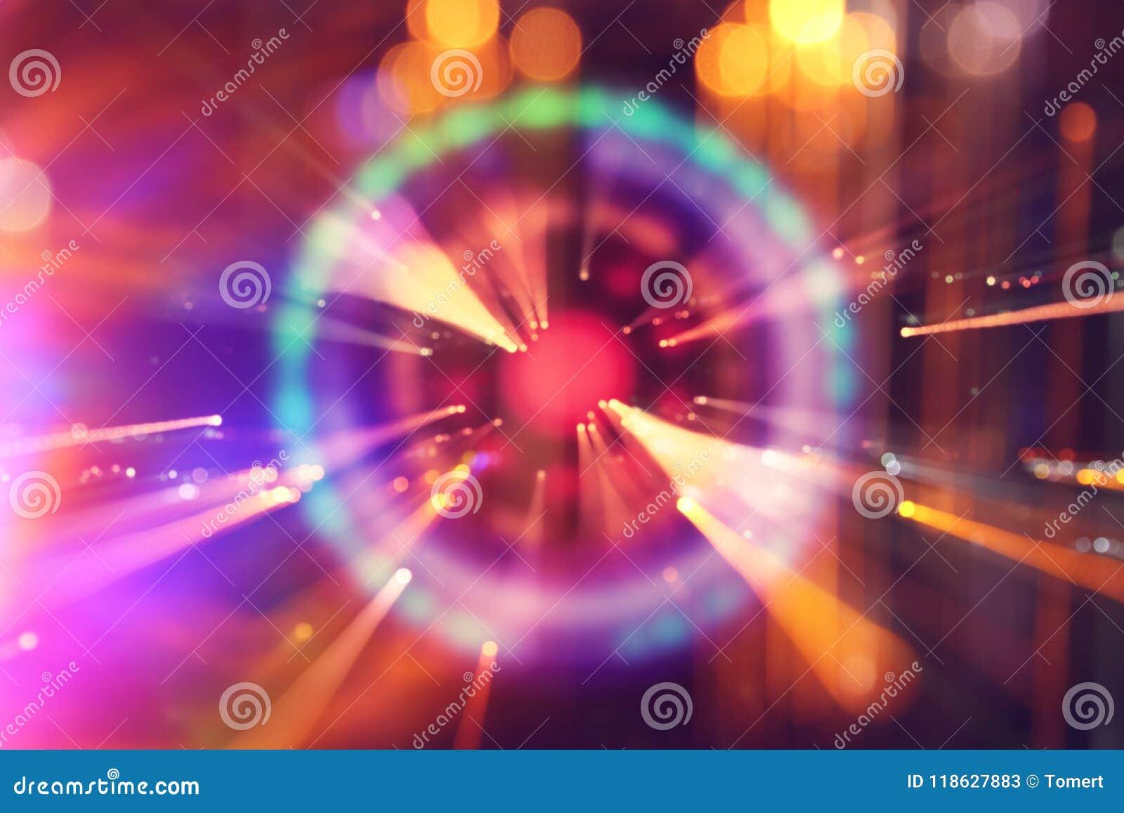 抽象科学小说未来派背景 透镜火光 空间或时间旅行的概念图象在明亮的光的
