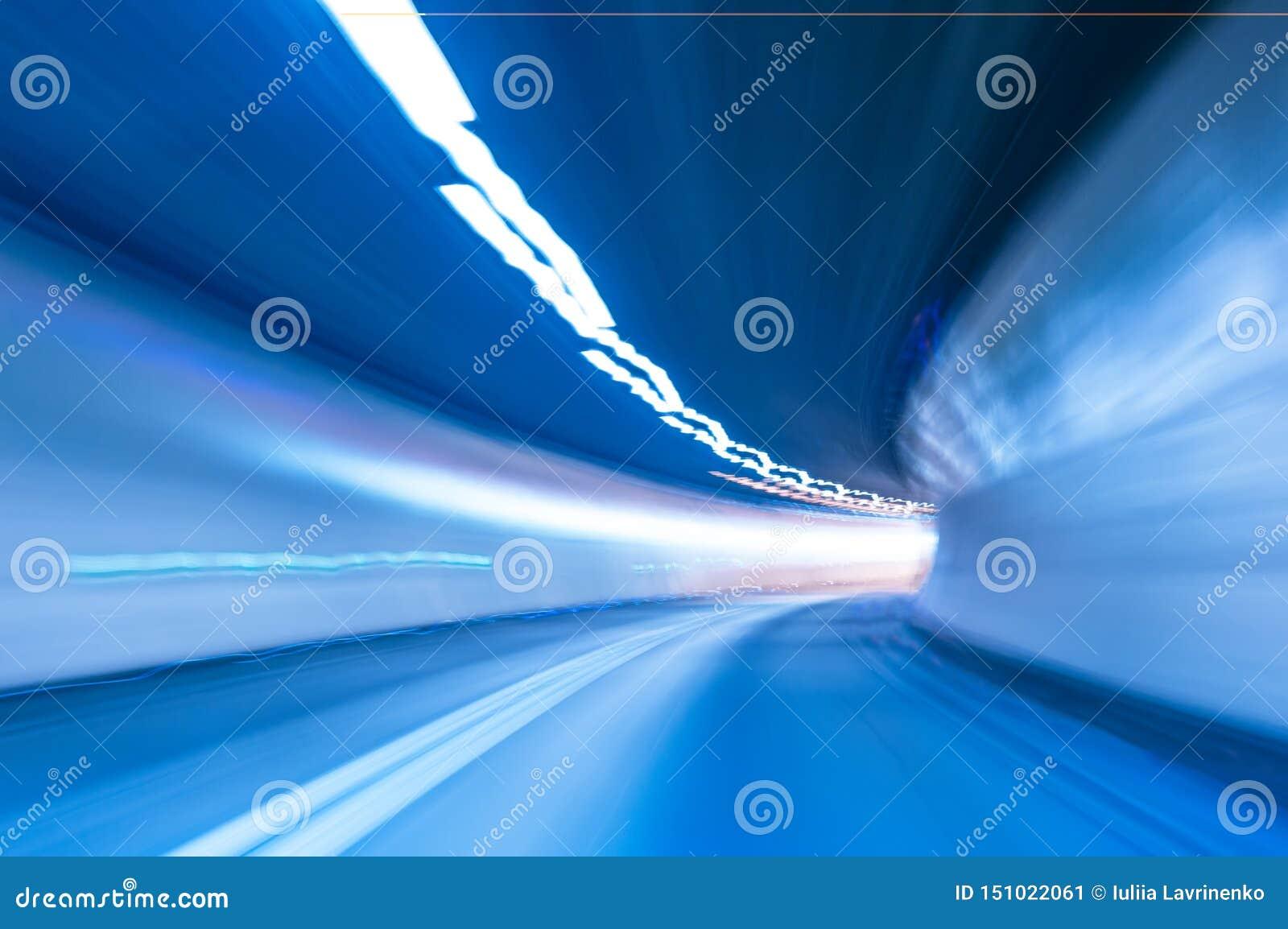 抽象速度行动在隧道背景中