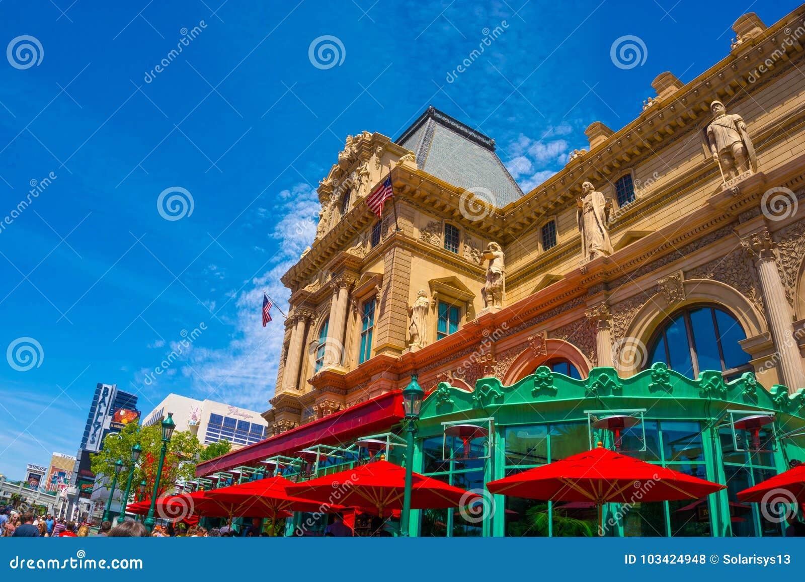 拉斯维加斯,美利坚合众国- 2016年5月05日:巴黎旅馆看法拉斯维加斯小条的