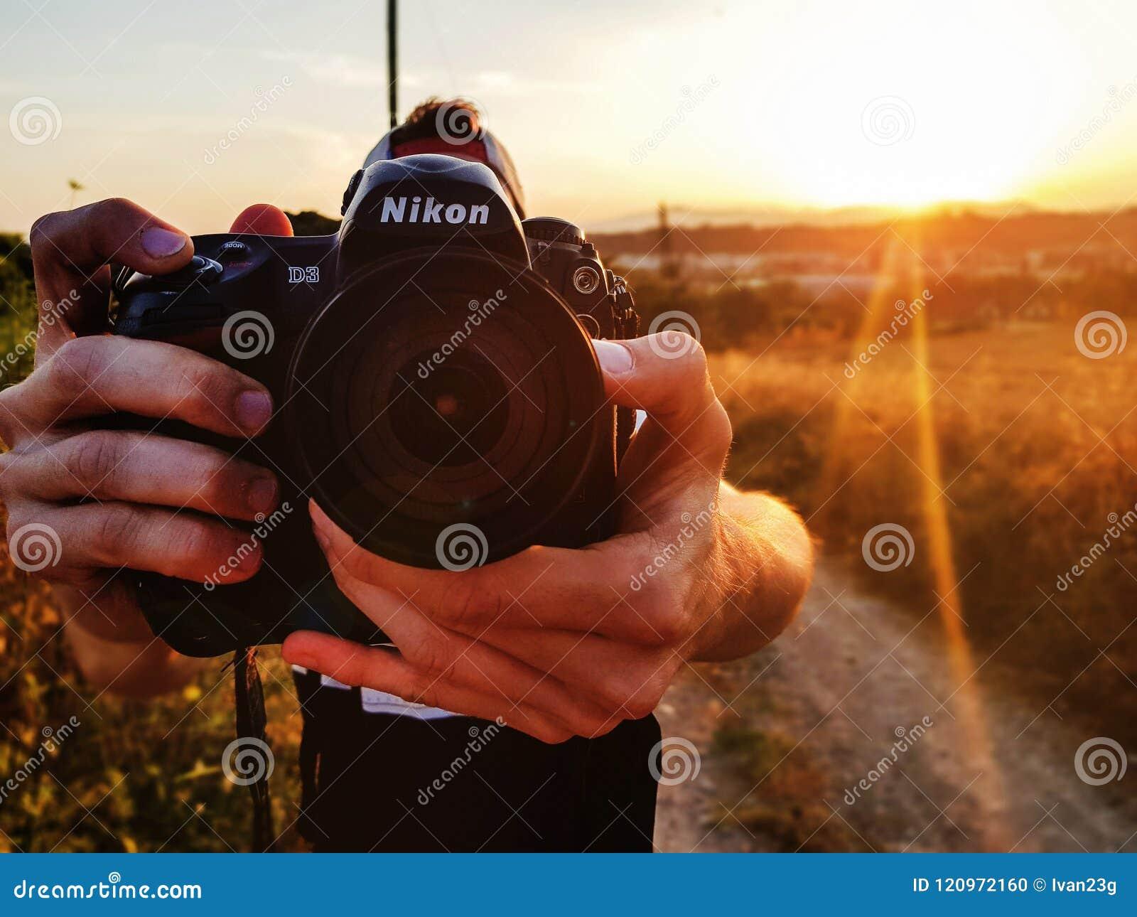拍与照相机的人一张照片