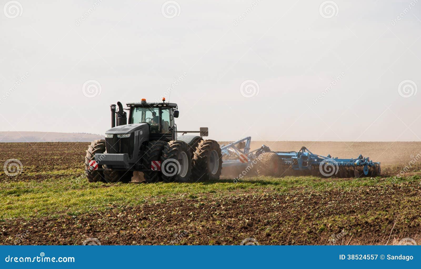 拖拉机种田